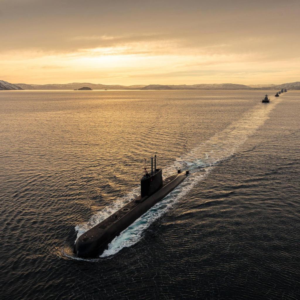 вам хочется красивое фото подводной лодки россии своей демократичности, они
