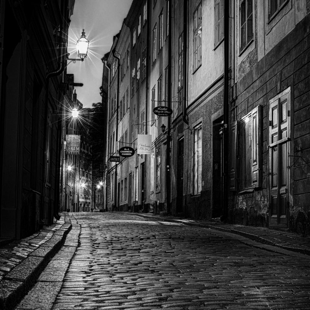 фото улиц города черно-белое
