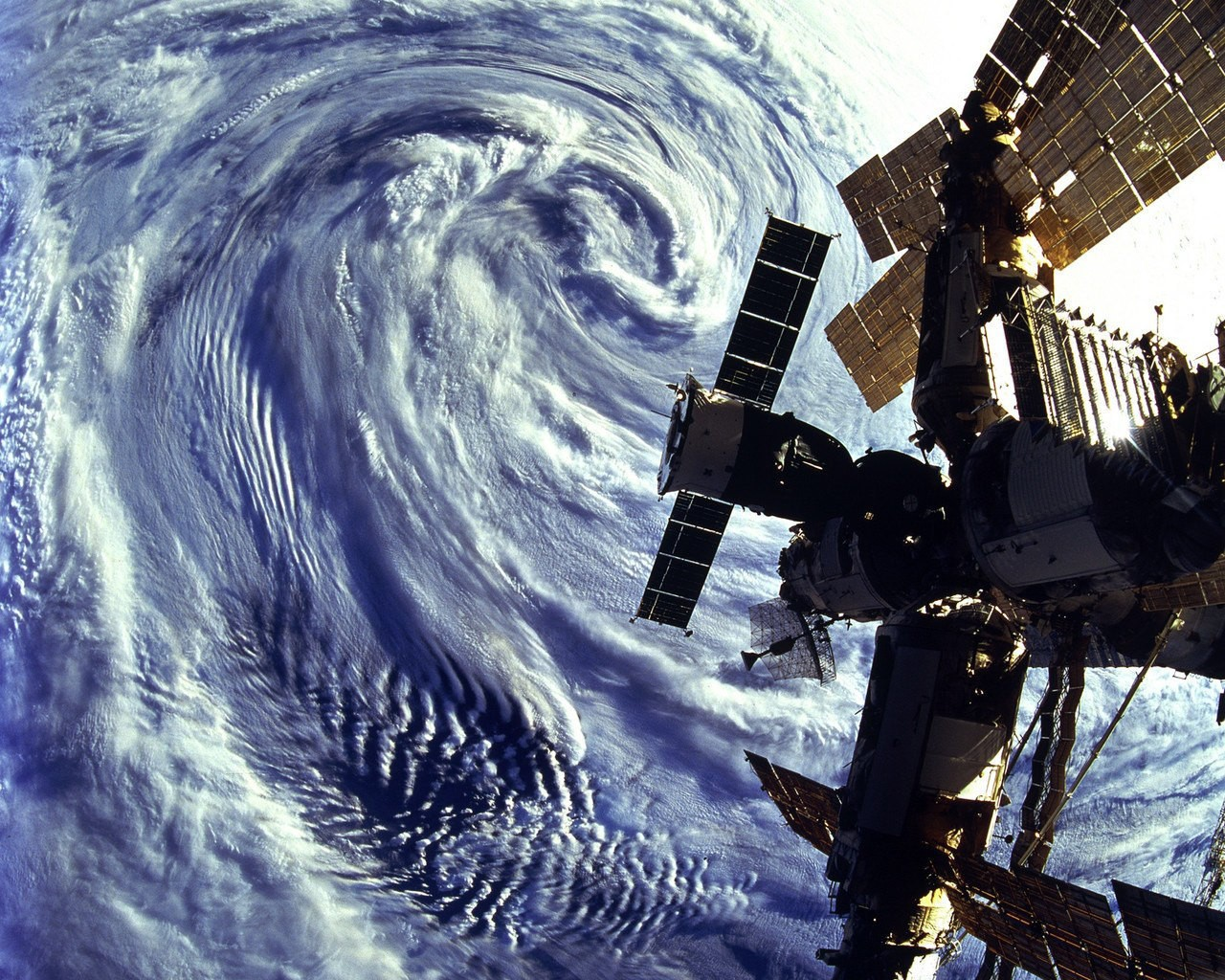 Смотреть картинки спутники