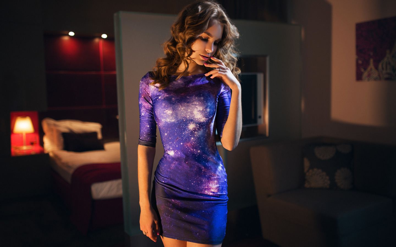 http://img1.goodfon.ru/original/1440x900/5/19/katya-moscow-sexy-girl-dress.jpg