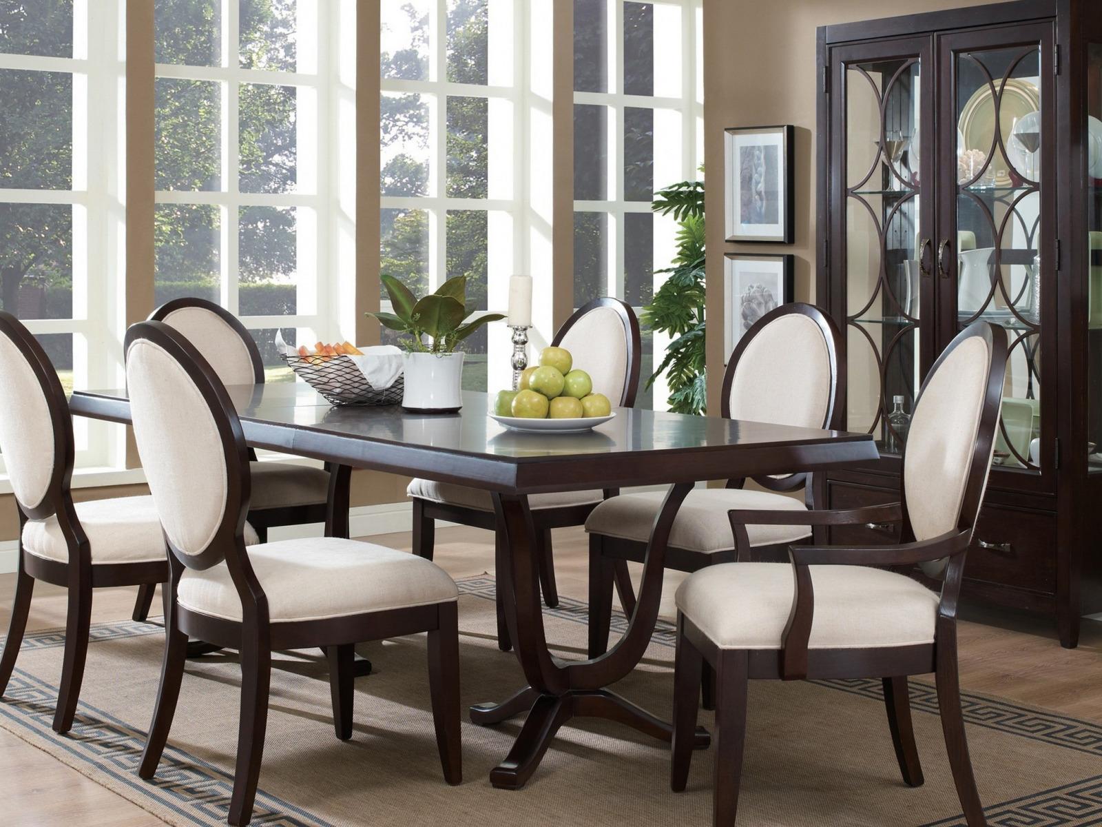 анализирует обеденные столы для столовой в картинках раз