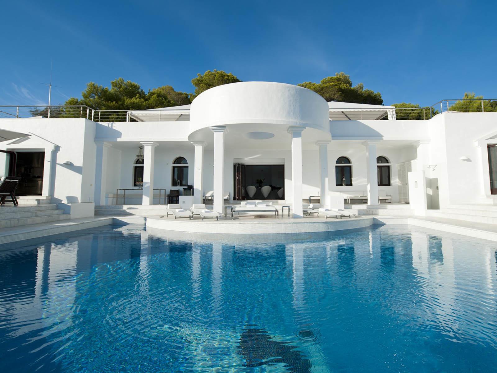 Недвижимость ибица испания