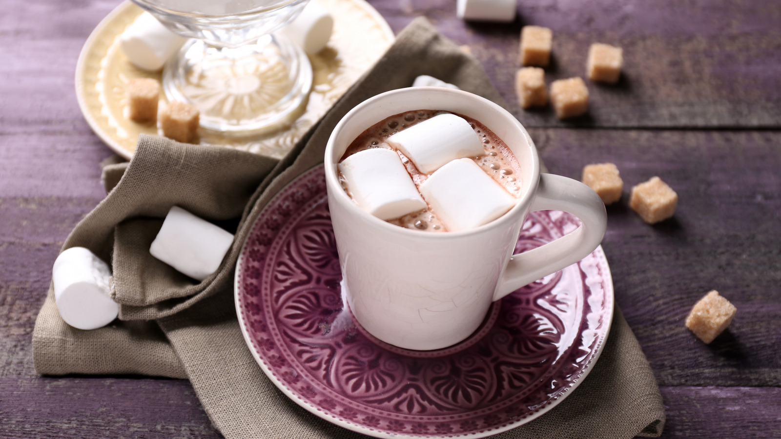 https://img1.goodfon.ru/original/1600x900/e/98/cocoa-marshmallow-cup-hot-3396.jpg