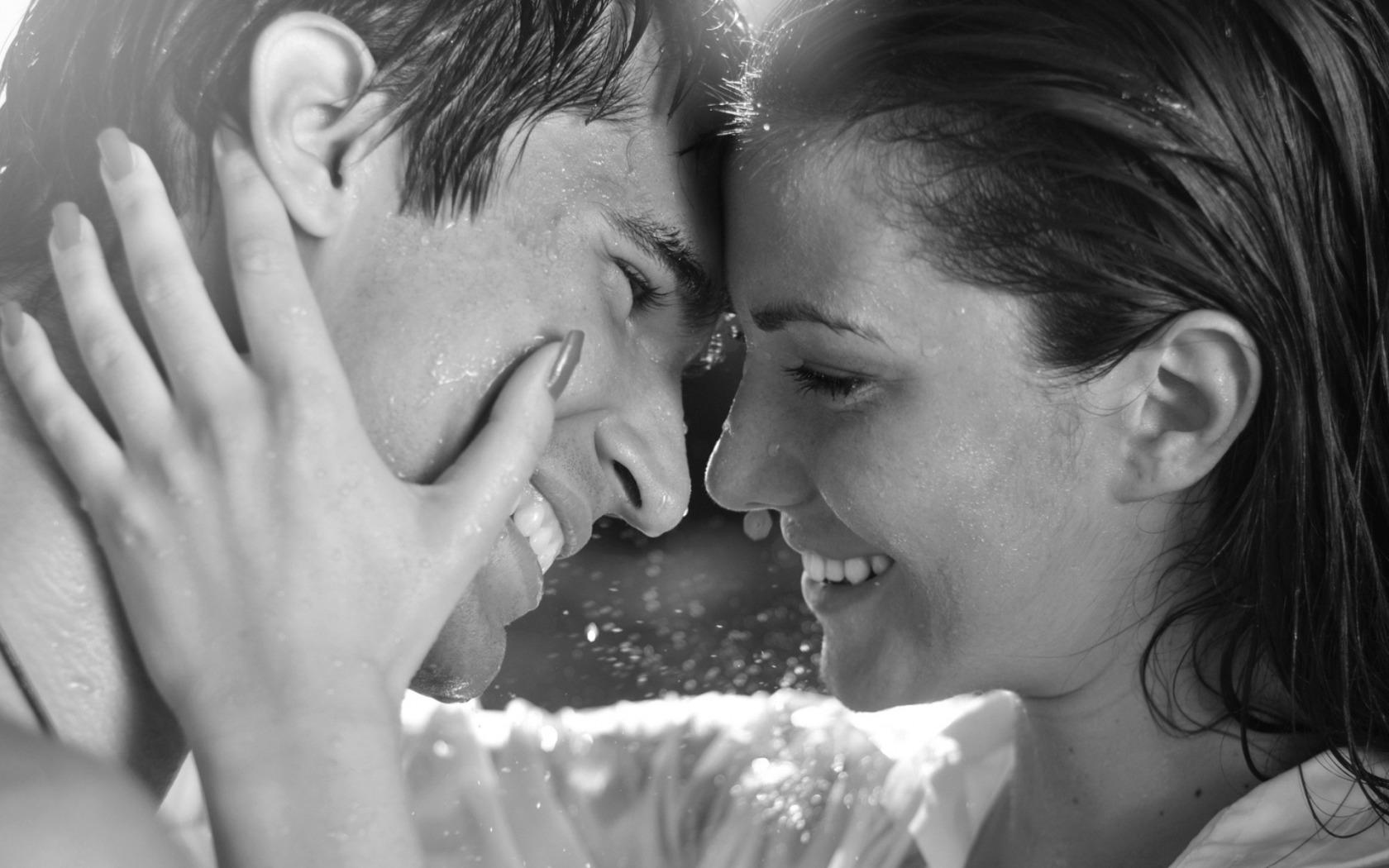 фото красивого поцелуя девушек нашем портале