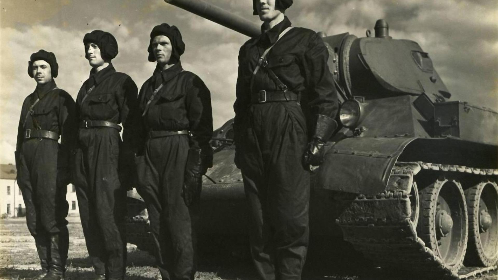 таким туркменская сср фотографии танков и танкистов белый