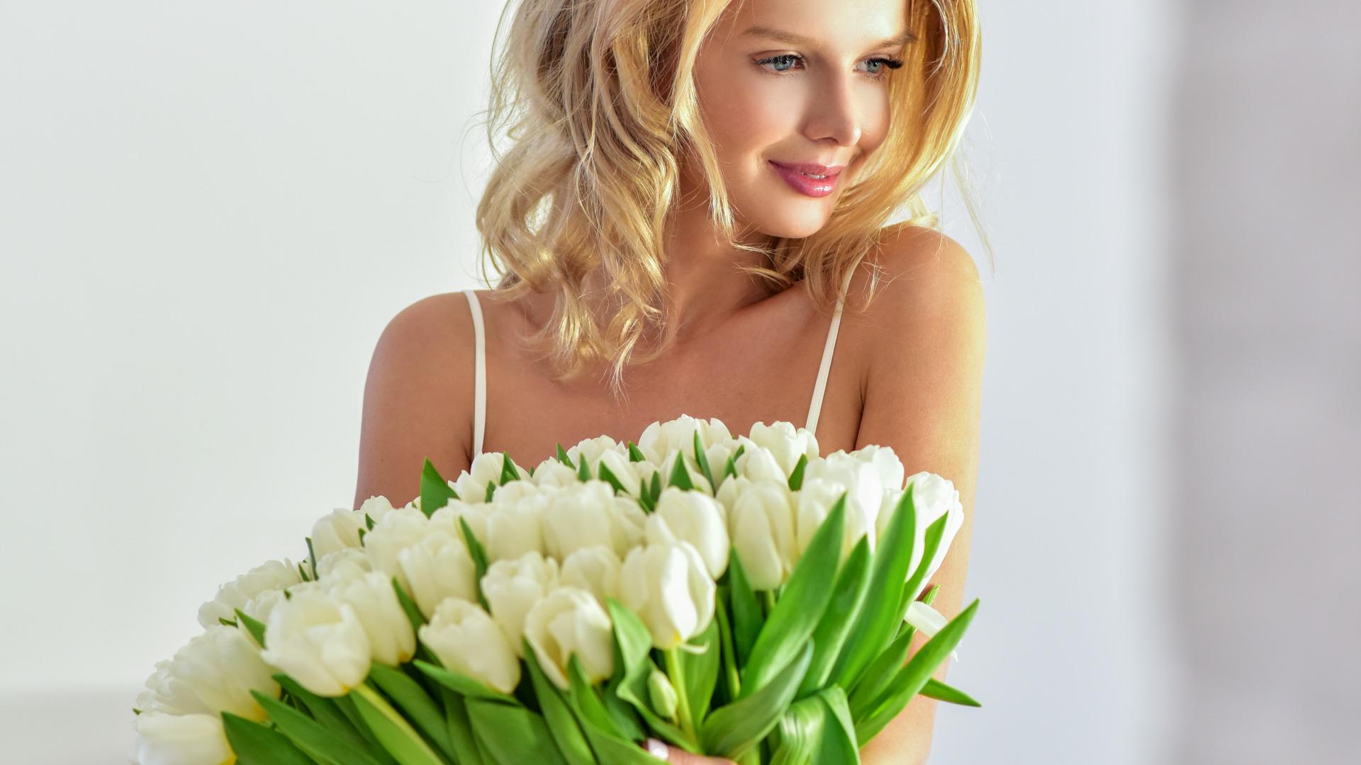 Картинки с цветами блондинок