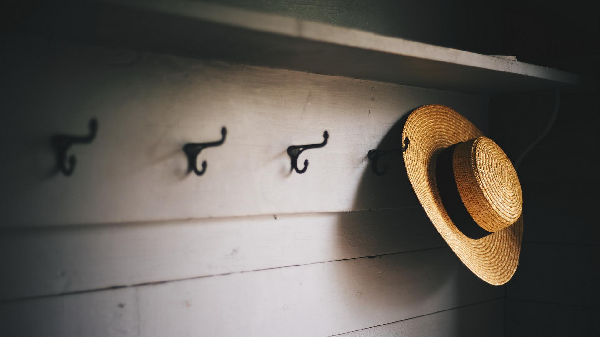Вешалка для шляп своими руками