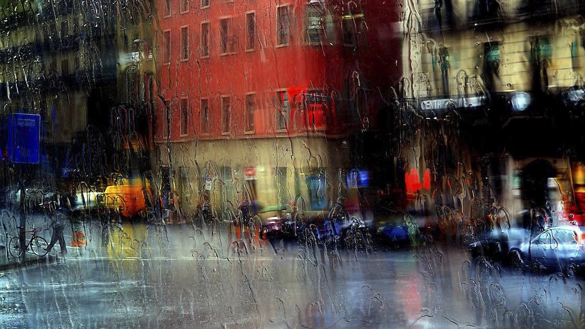 в городе дождь открытки много