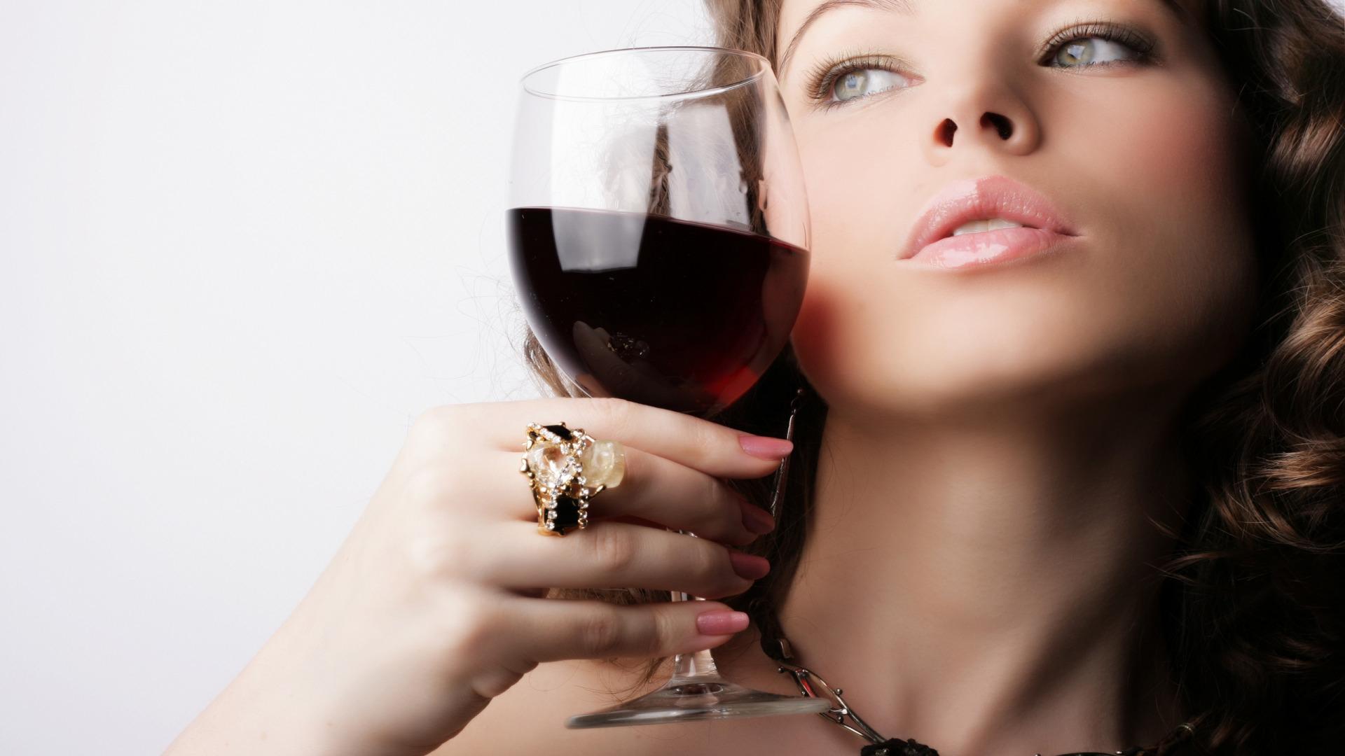 Для светланы, картинки девушка с бокалом вина на аву