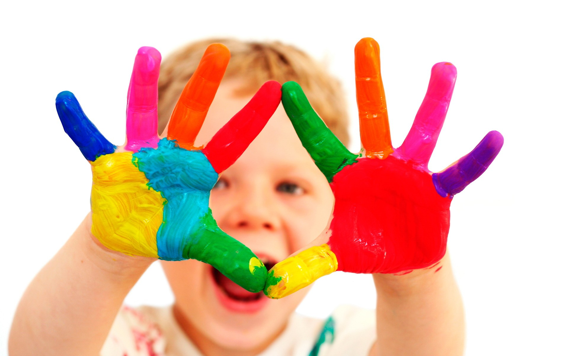 Картинки руки разноцветные