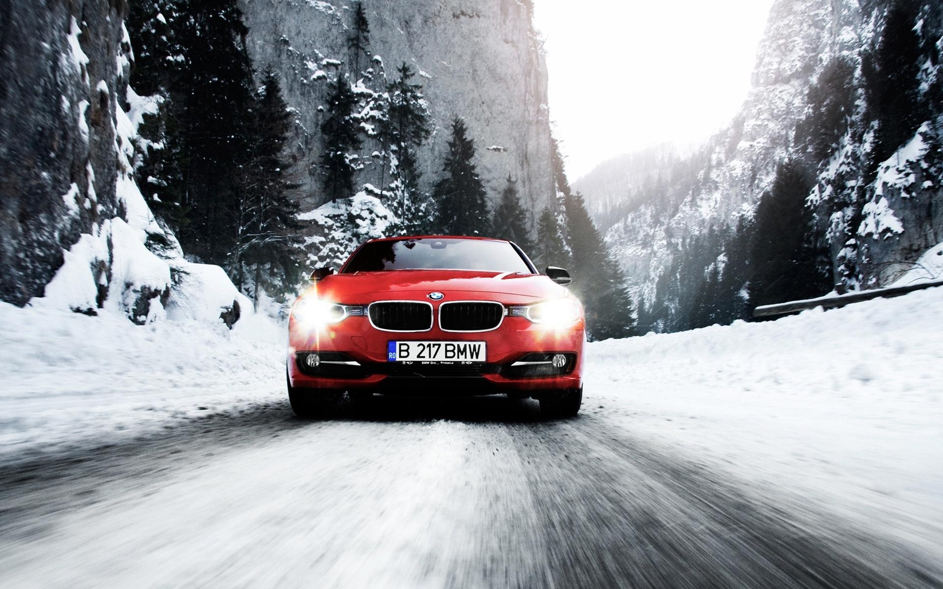 фото обои авто в снегу тоже частенько