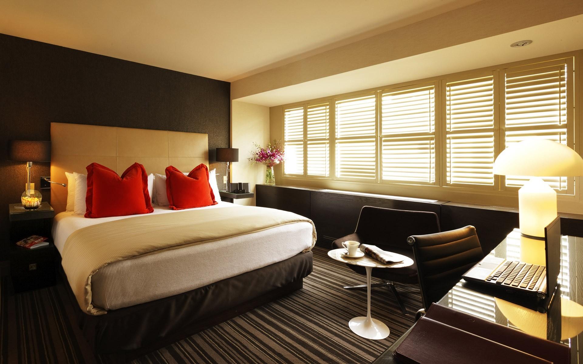 Интерьер спальня комната кровать  № 3537240  скачать