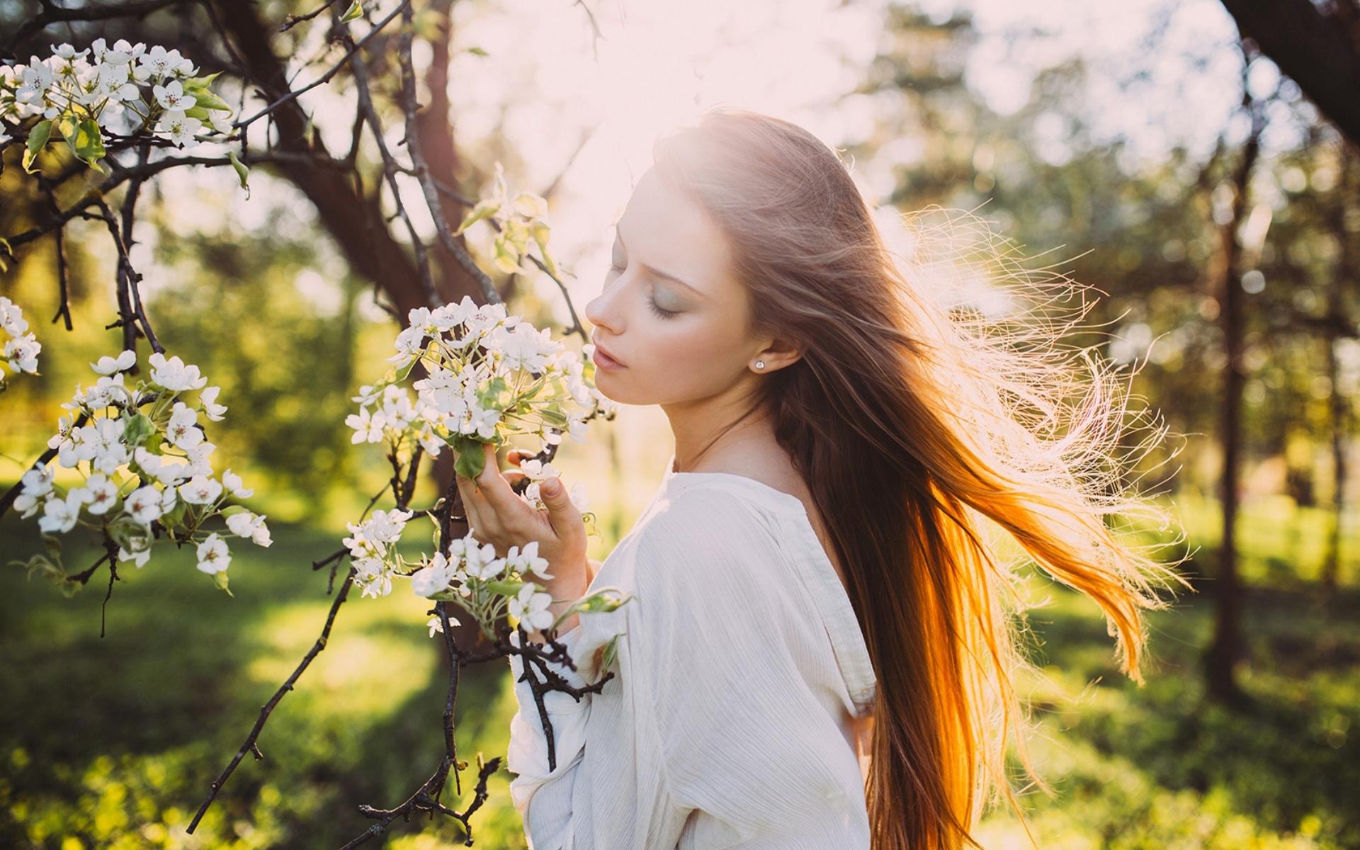 Девушка весной картинка