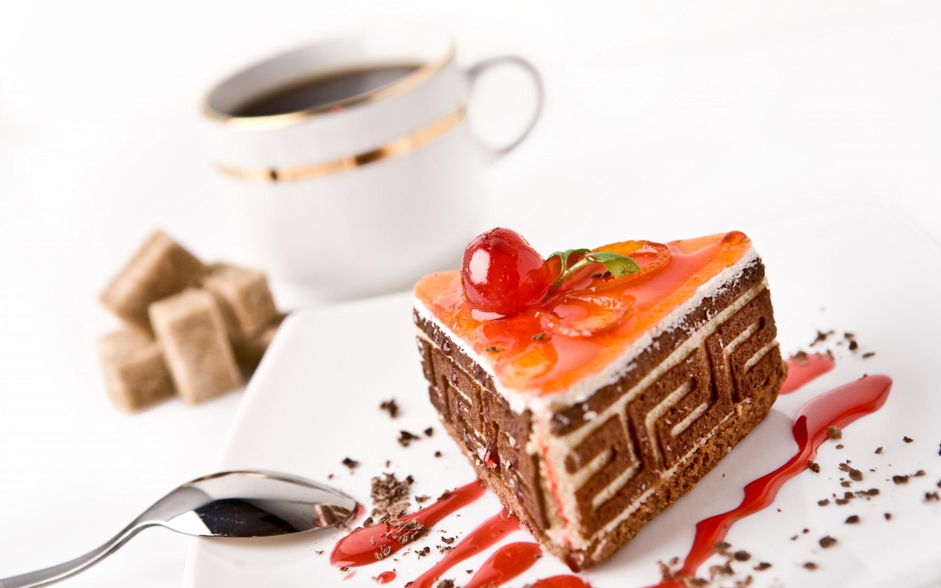 фото кусочек торта и чай что