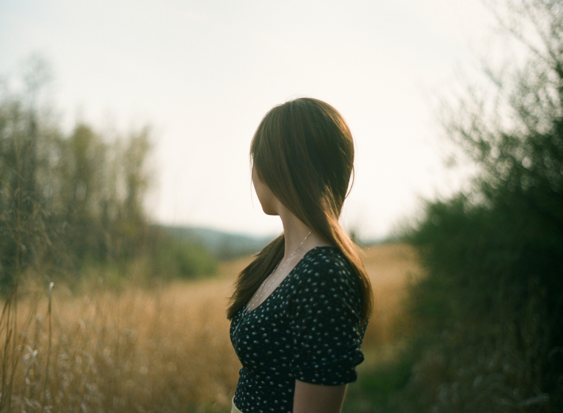 Картинки фото девушки вид сбоку