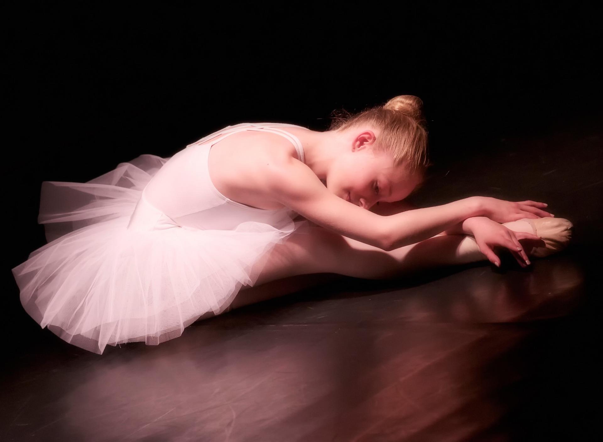 Фото девушек балерин голые Вами