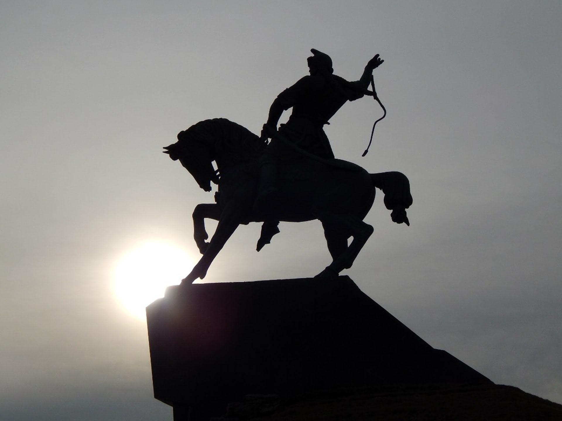 Салават юлаев памятник в салавате картинки