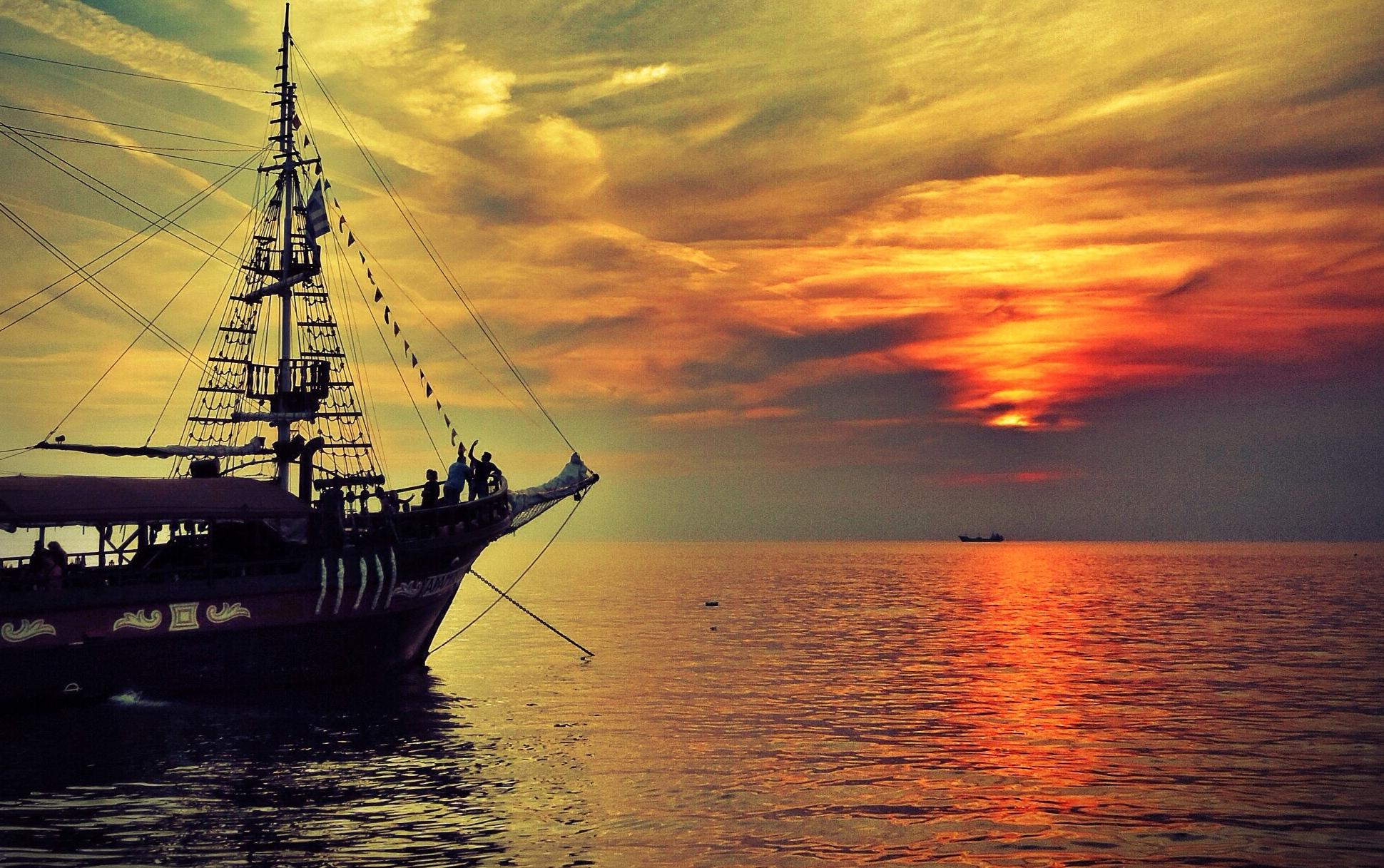 обои для рабочего стола корабли закат № 455760  скачать