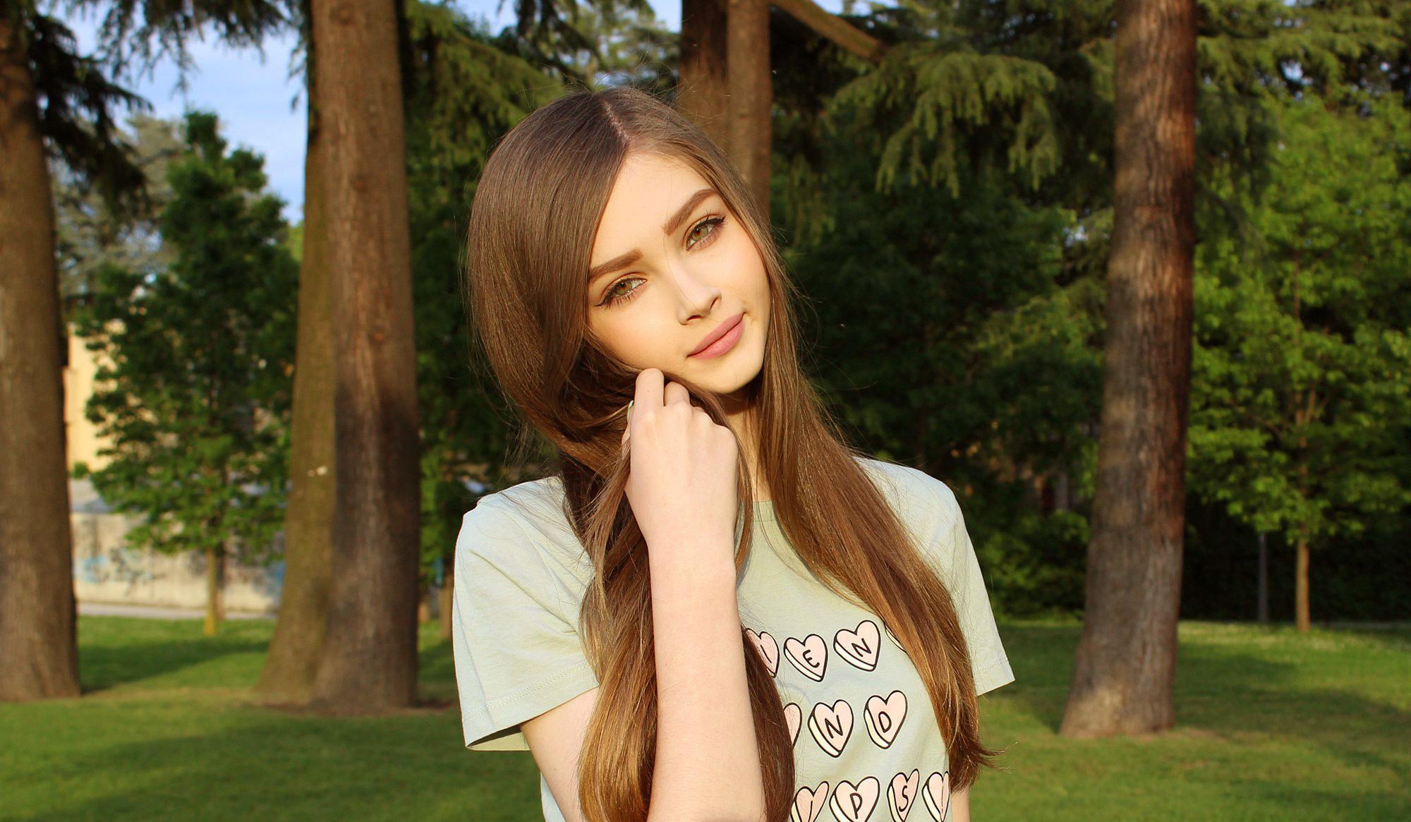 Коммент на фото красивой девушки