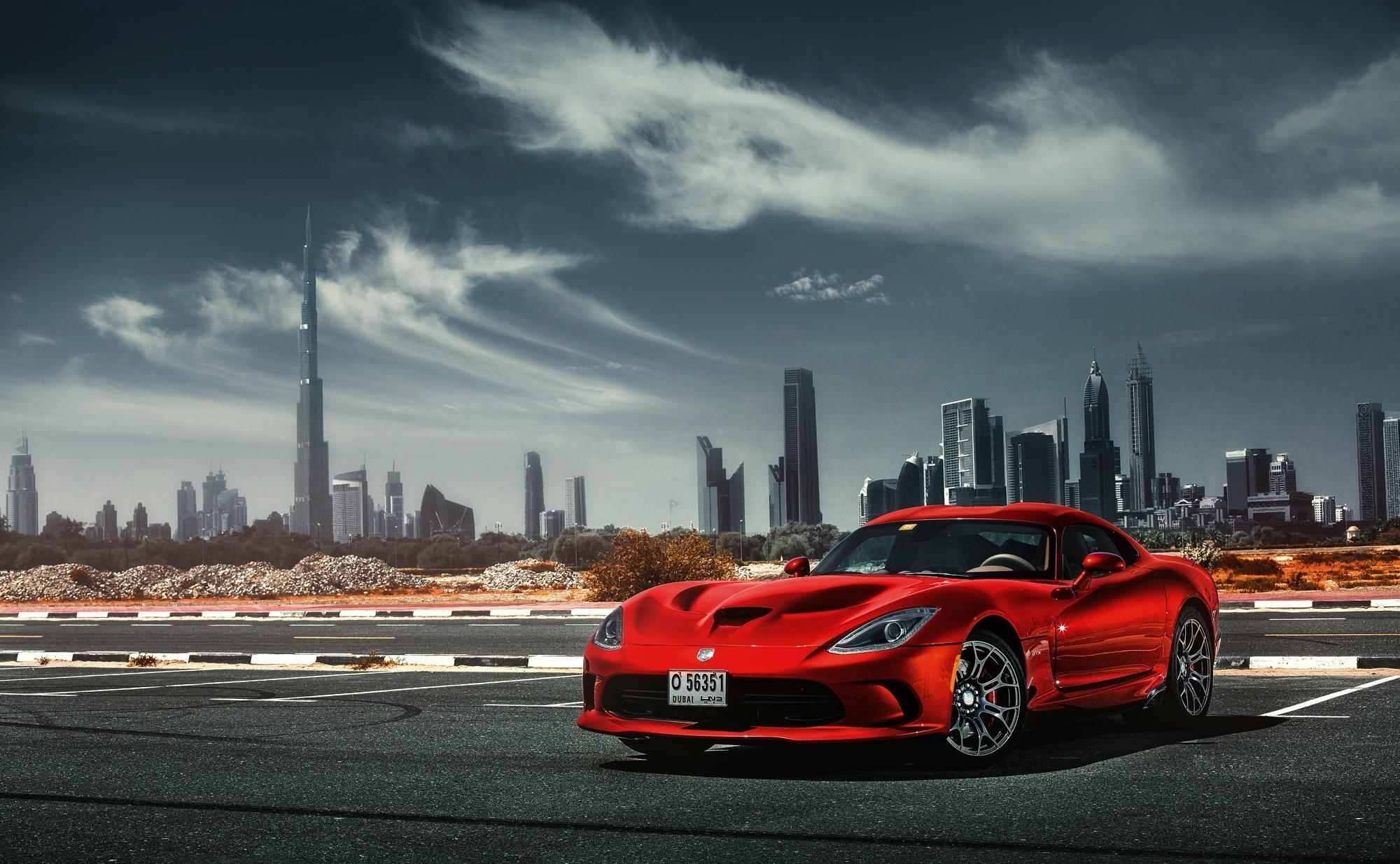 красный спортивный автомобиль Dodge Viper SRT  № 1128550 бесплатно