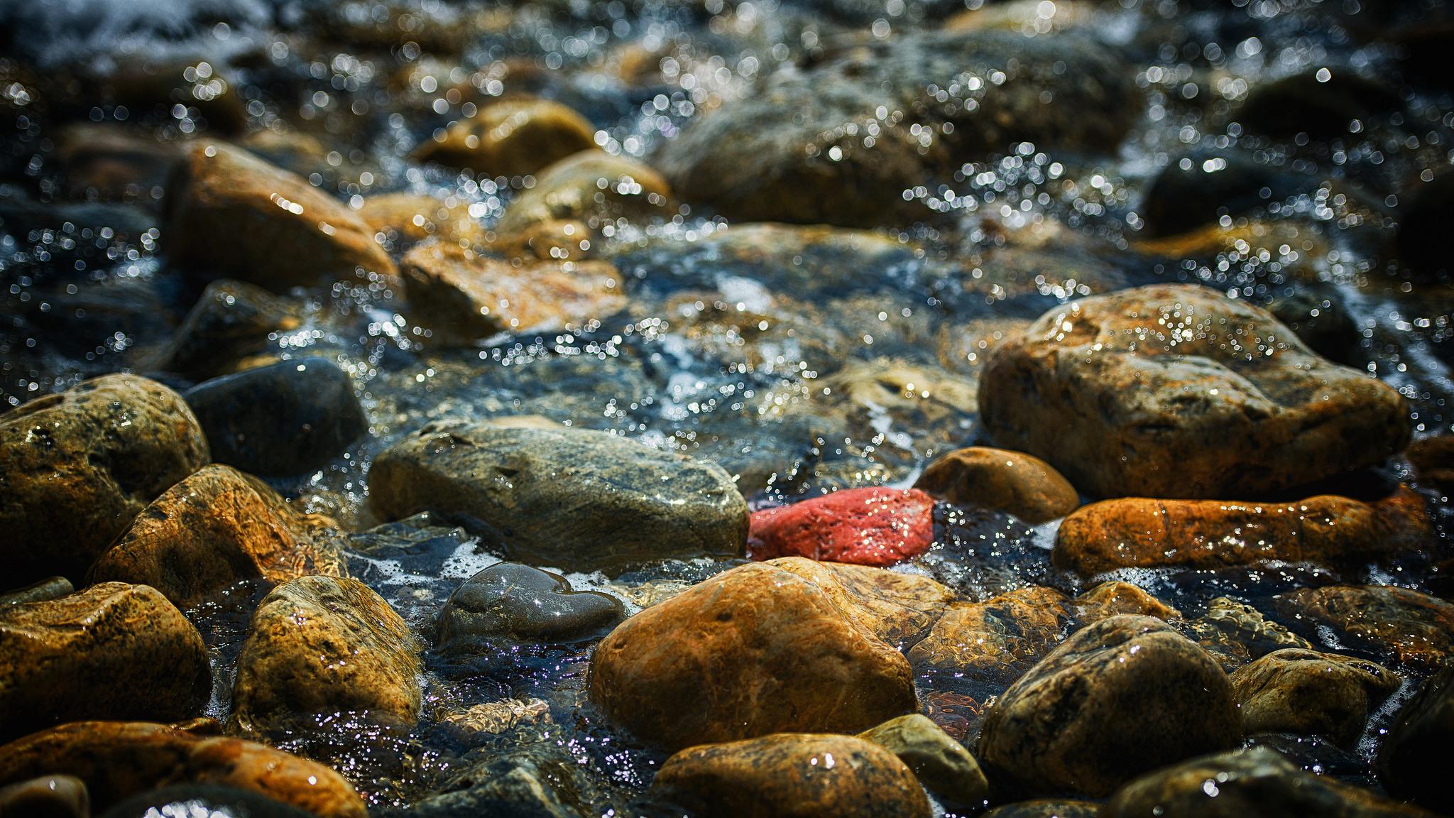 брызги вода море камень  № 2149589 без смс