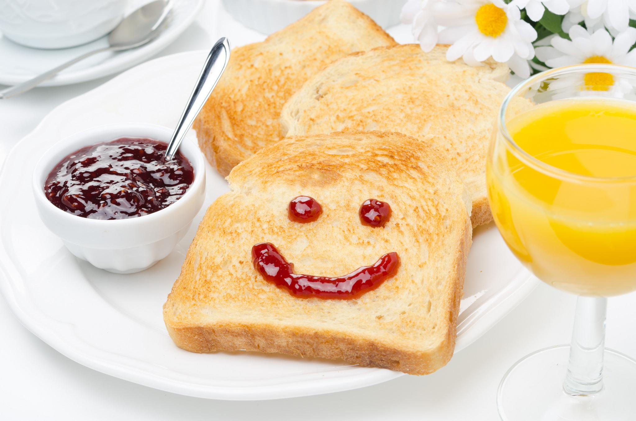 Тост из хлеба на завтрак