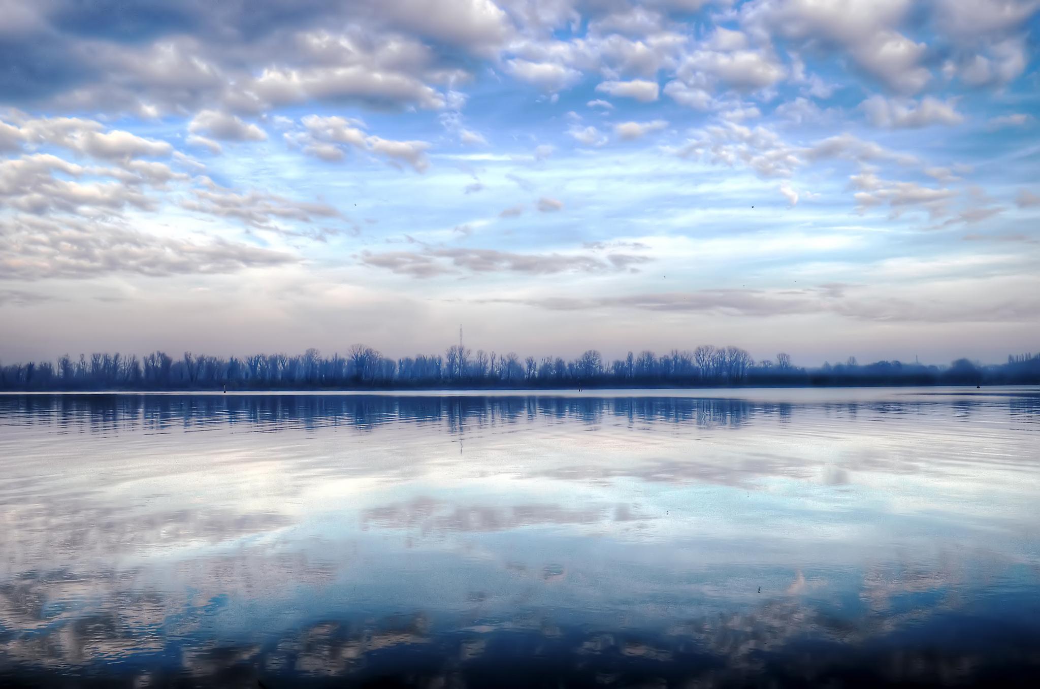 безоблачное небо зимой  № 2469693 загрузить