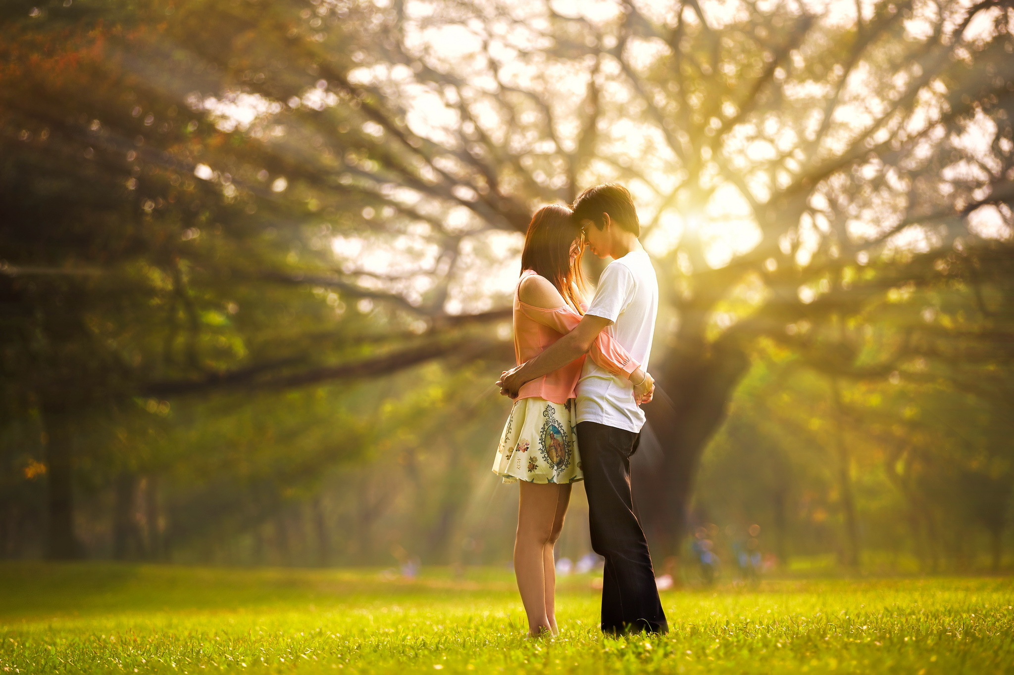 Картинки парень и девушка летом