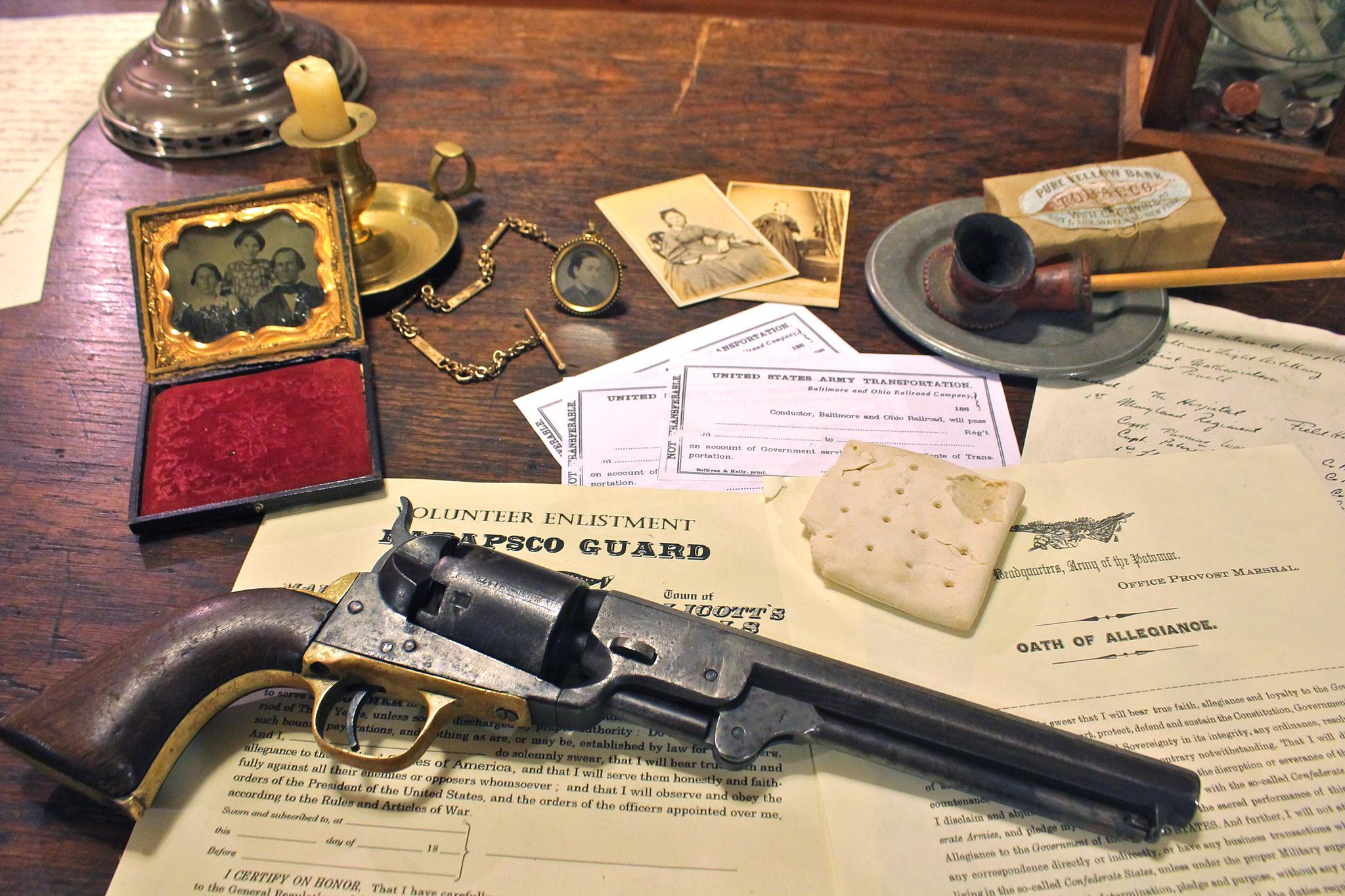 Револьвер с виноградом  № 1624229 загрузить