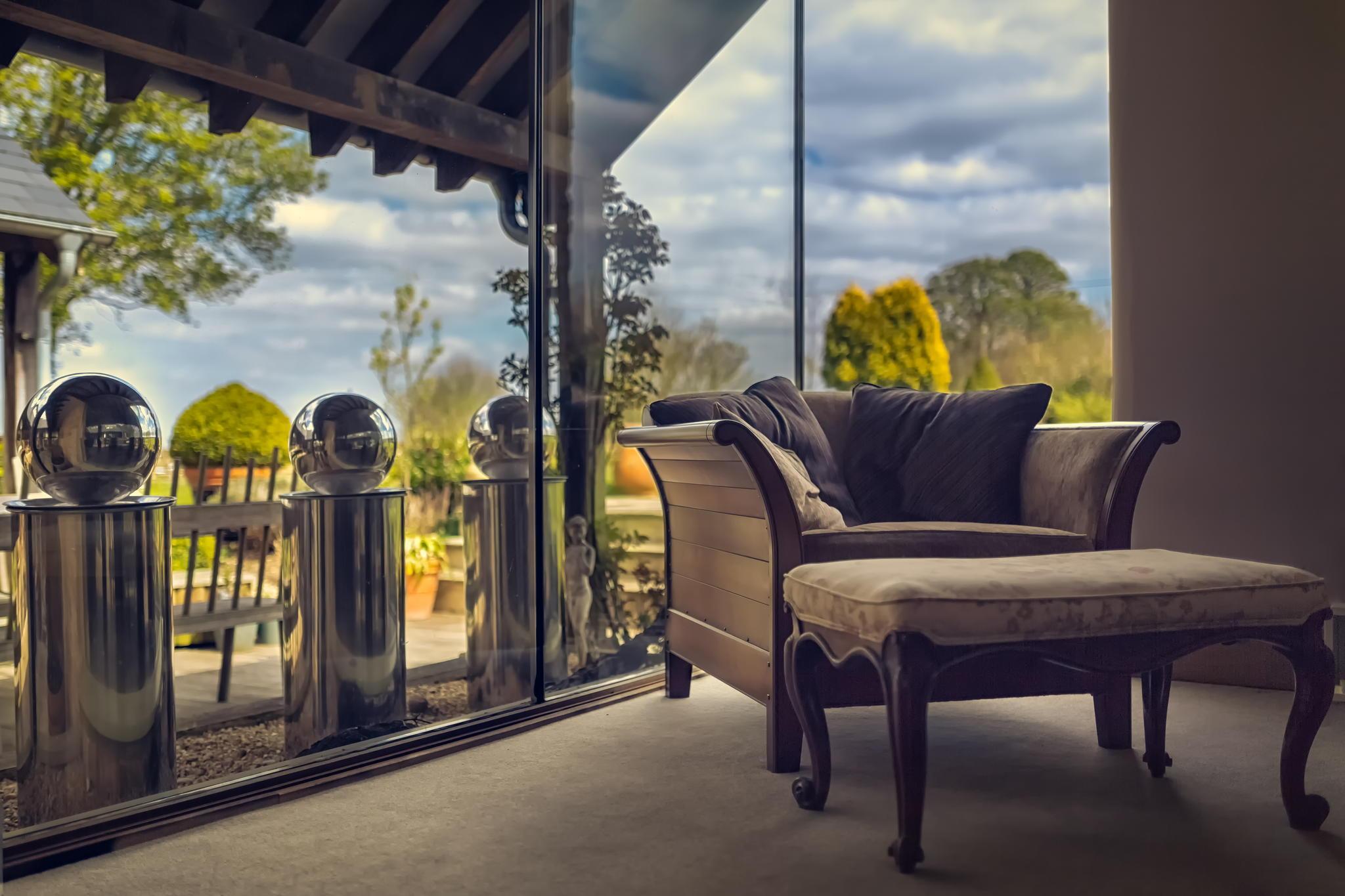 Комната кресло окно балкон терасса мебель интерьер hd обои д.