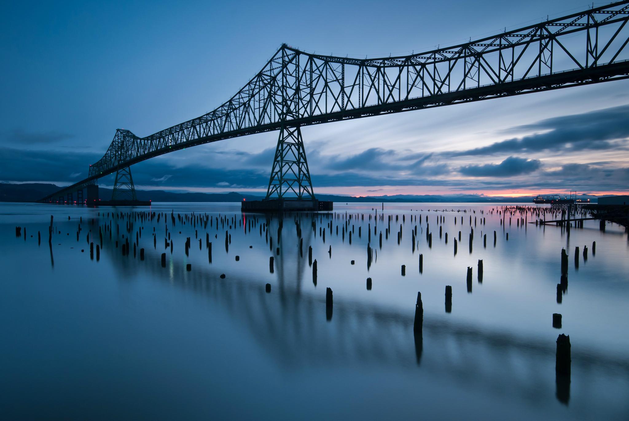 Мост река сумерки  № 3030677 загрузить