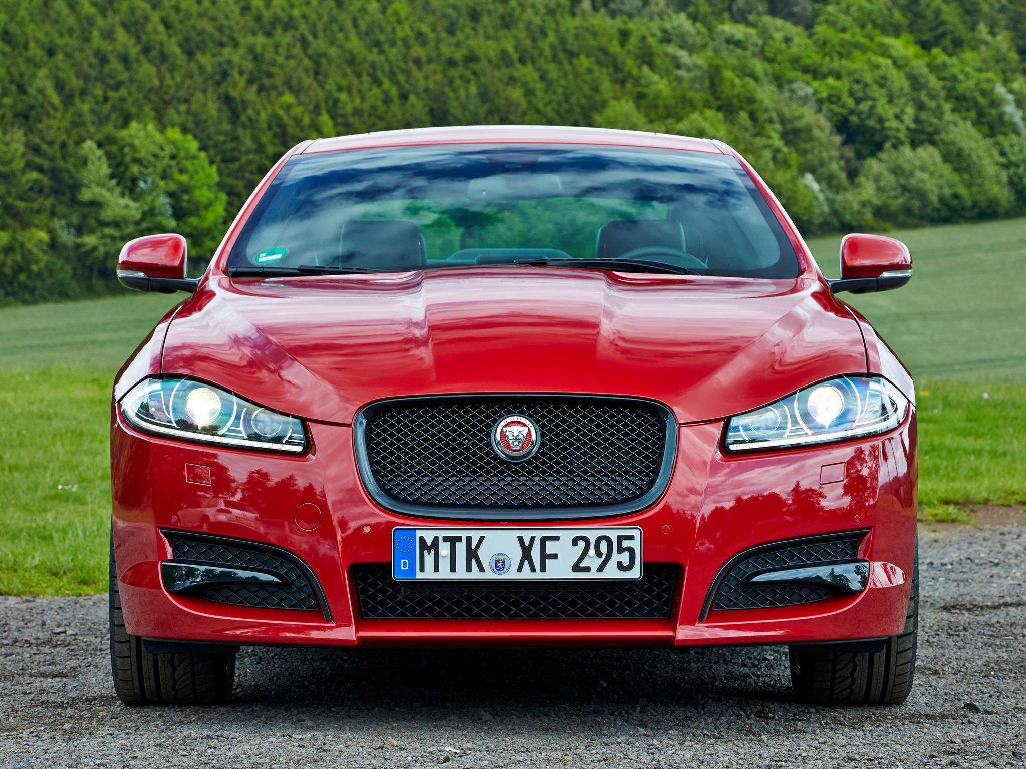 автомобиль ягуар красный фото магического