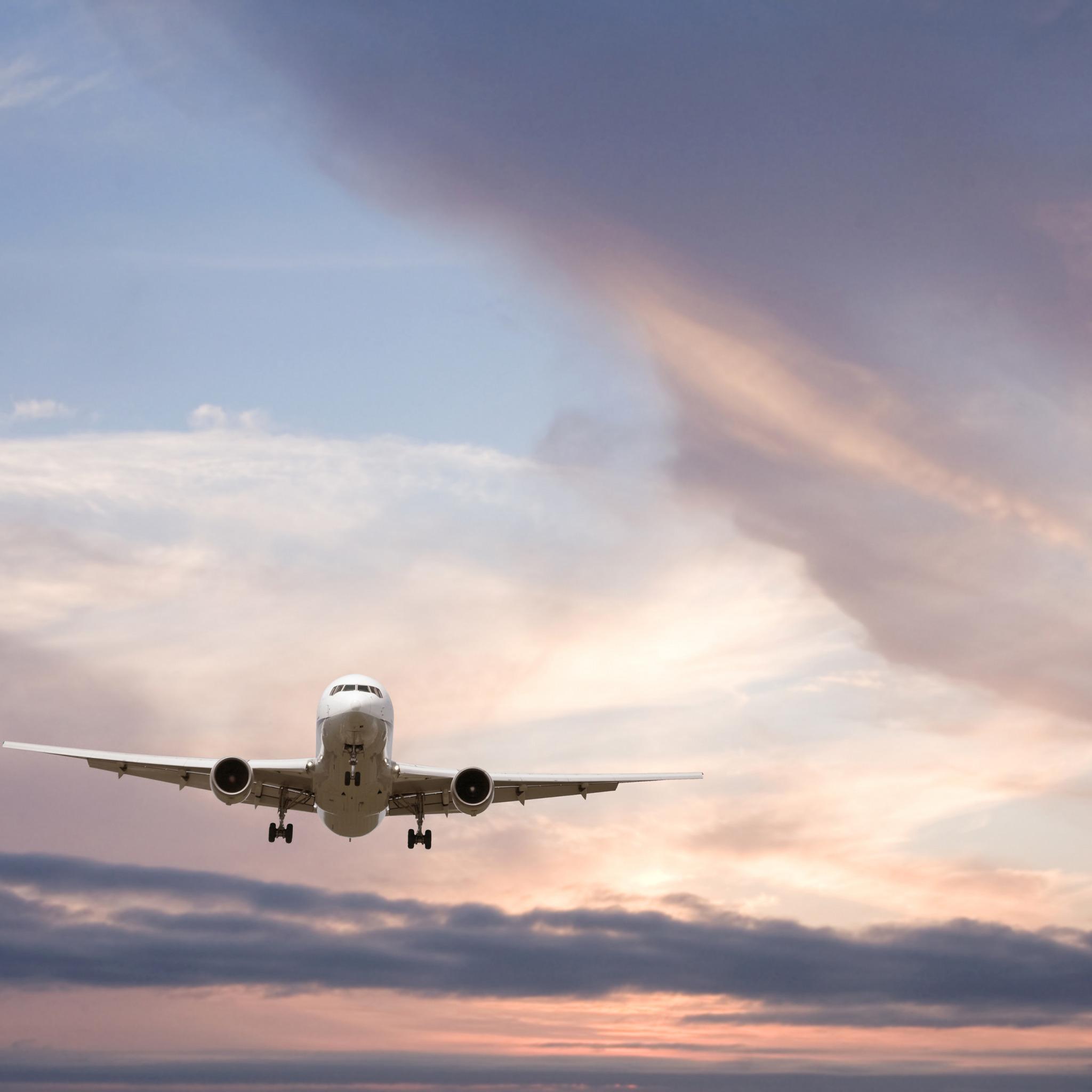 фото полет самолета в небе нас найдёте
