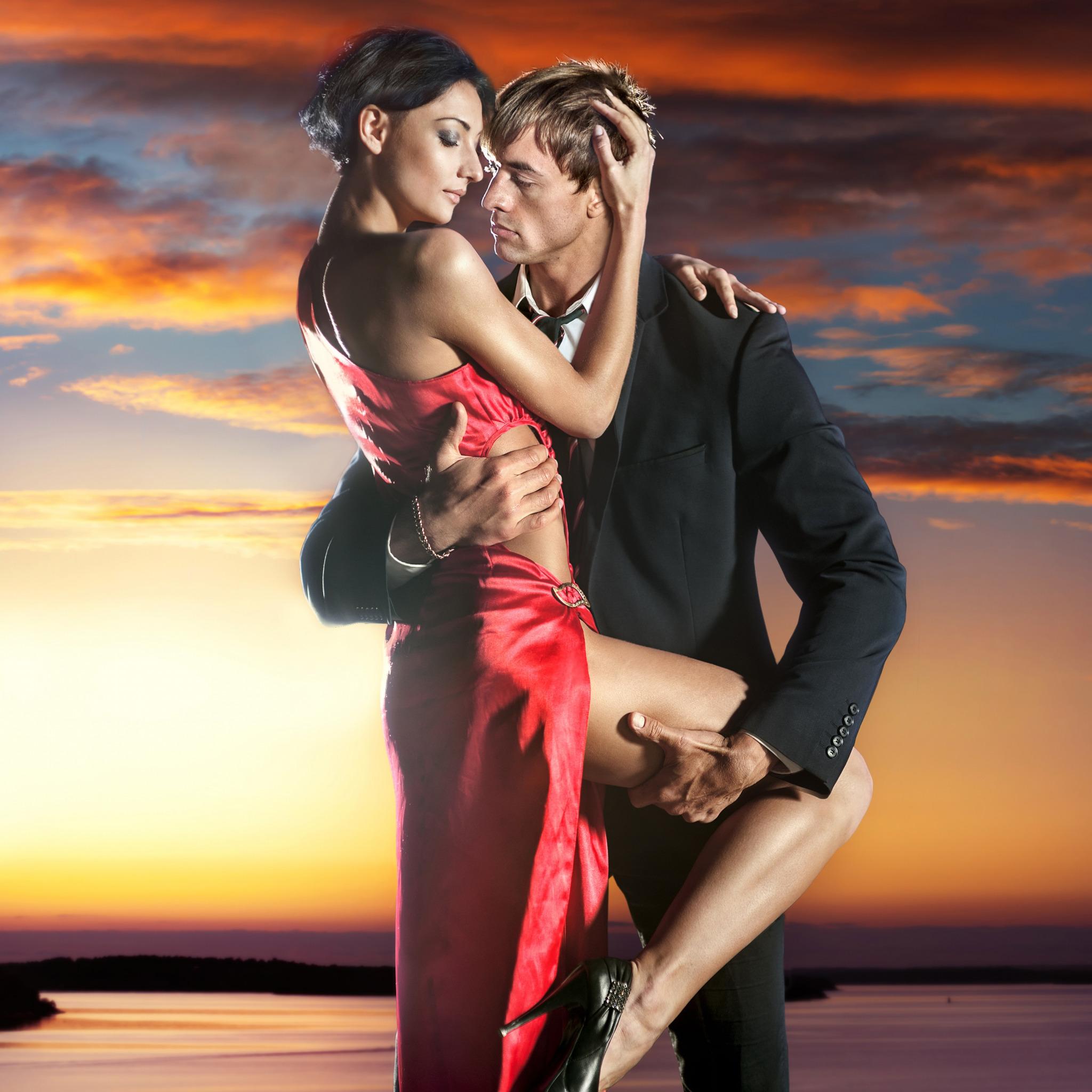 Красивые картинки парня с девушкой страсть