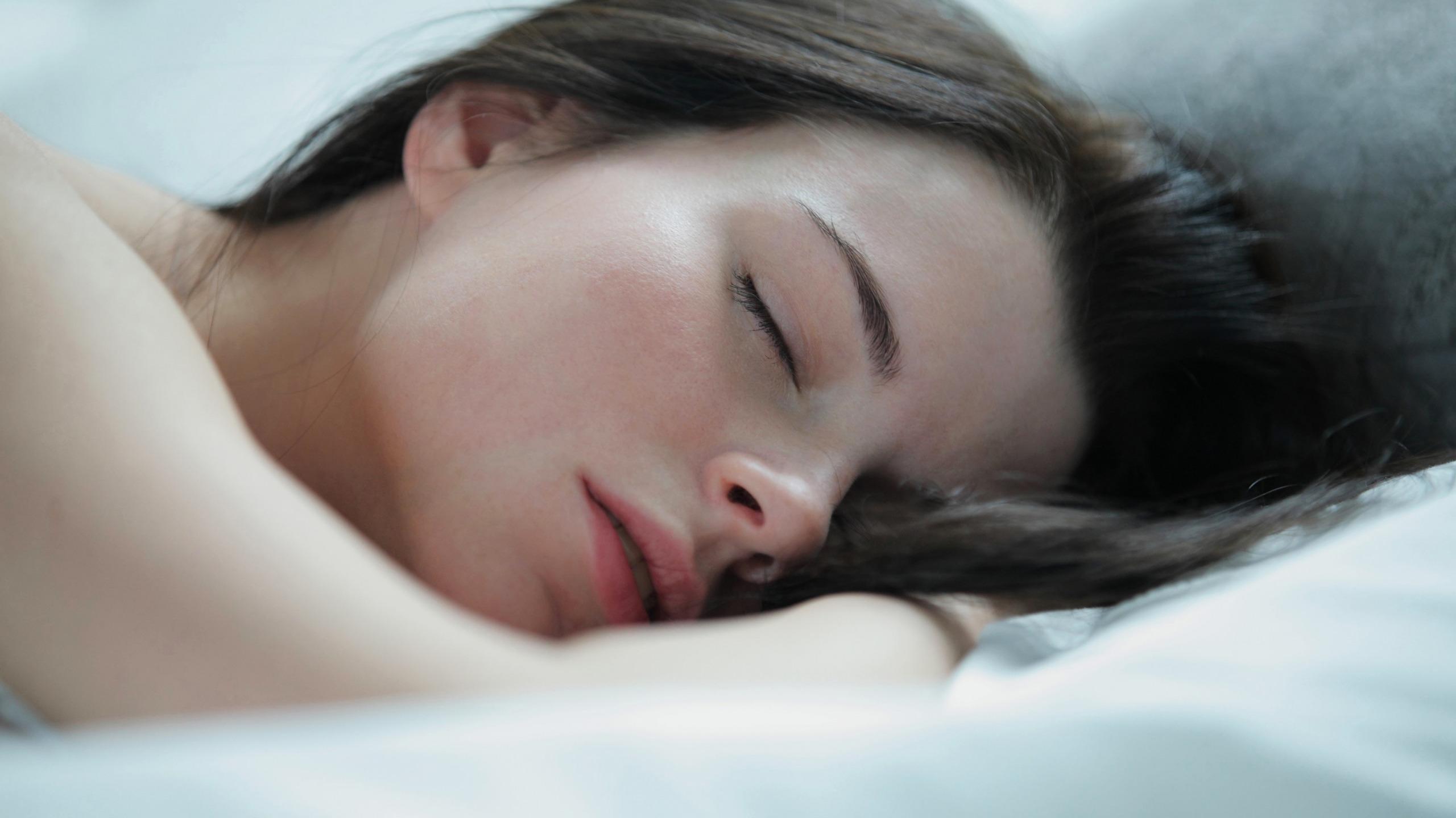 girl-asleep-in-bed-cock-pics-guitar