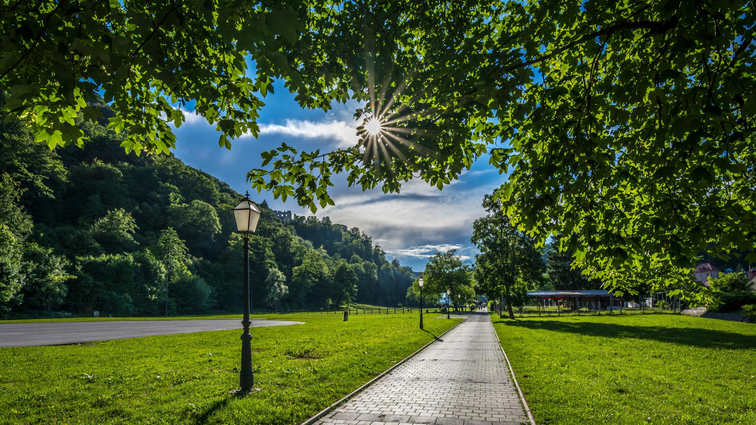 Спичек, картинка солнечного дня в городе