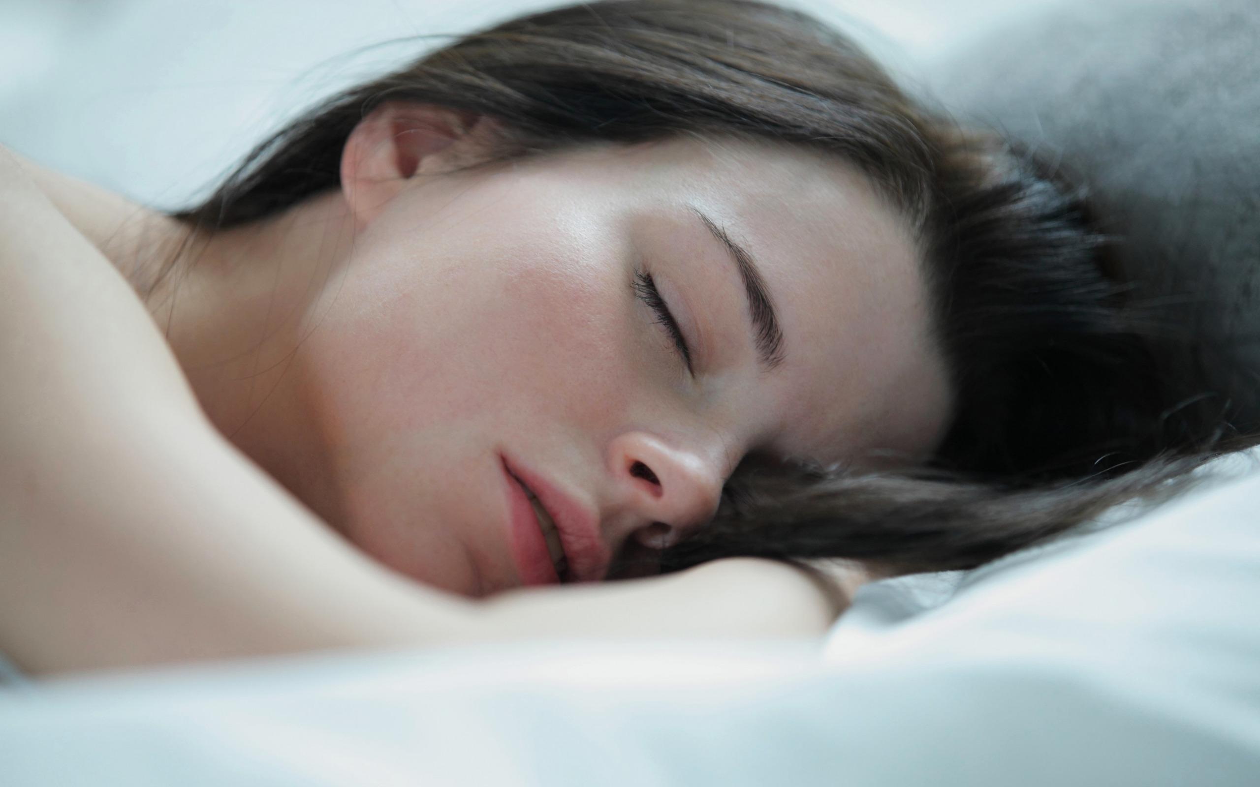 Фото спящей женщины, Спящие голые жены подборка фото частные секс фото 13 фотография