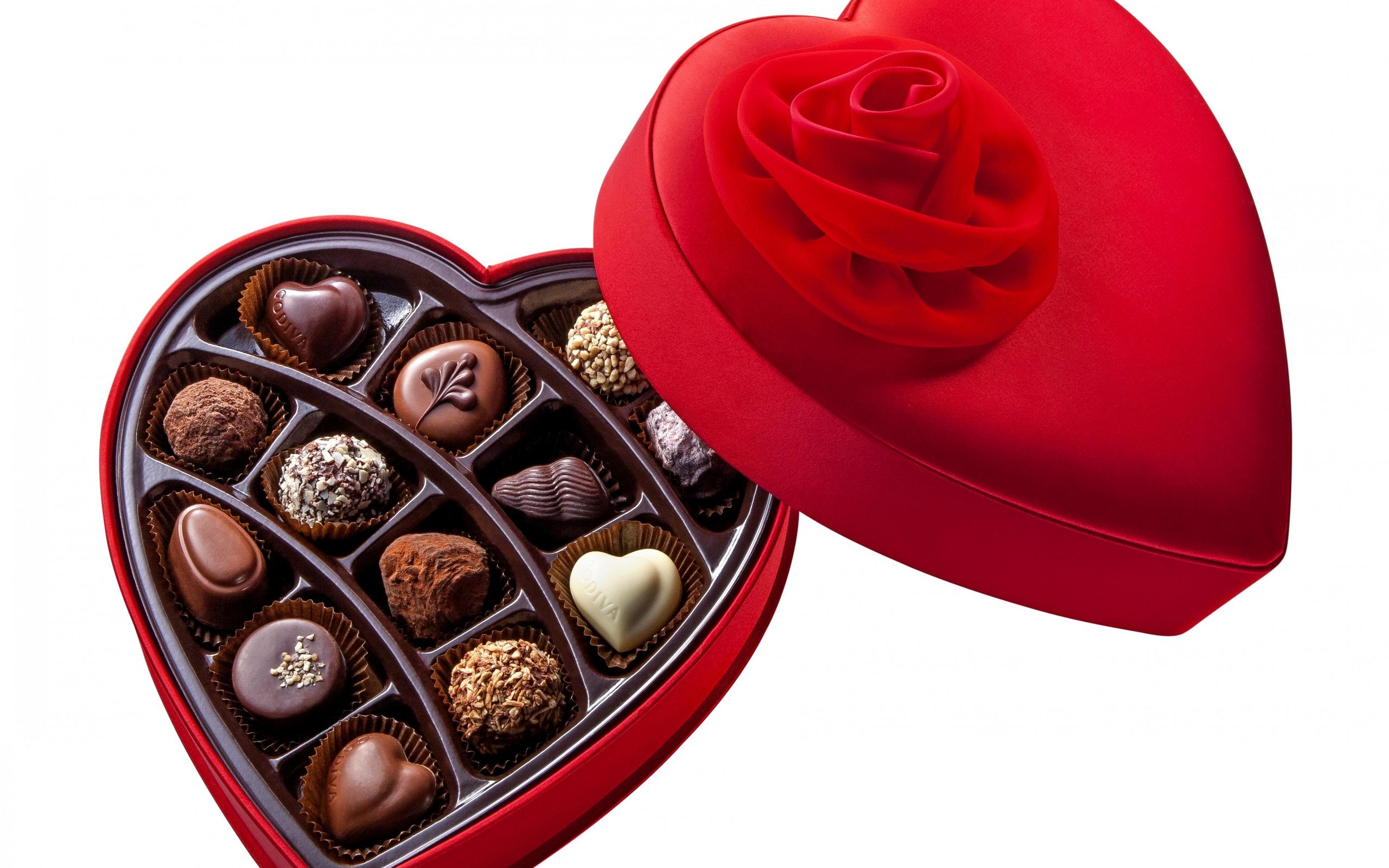 Открытки конфеты в красивых коробках
