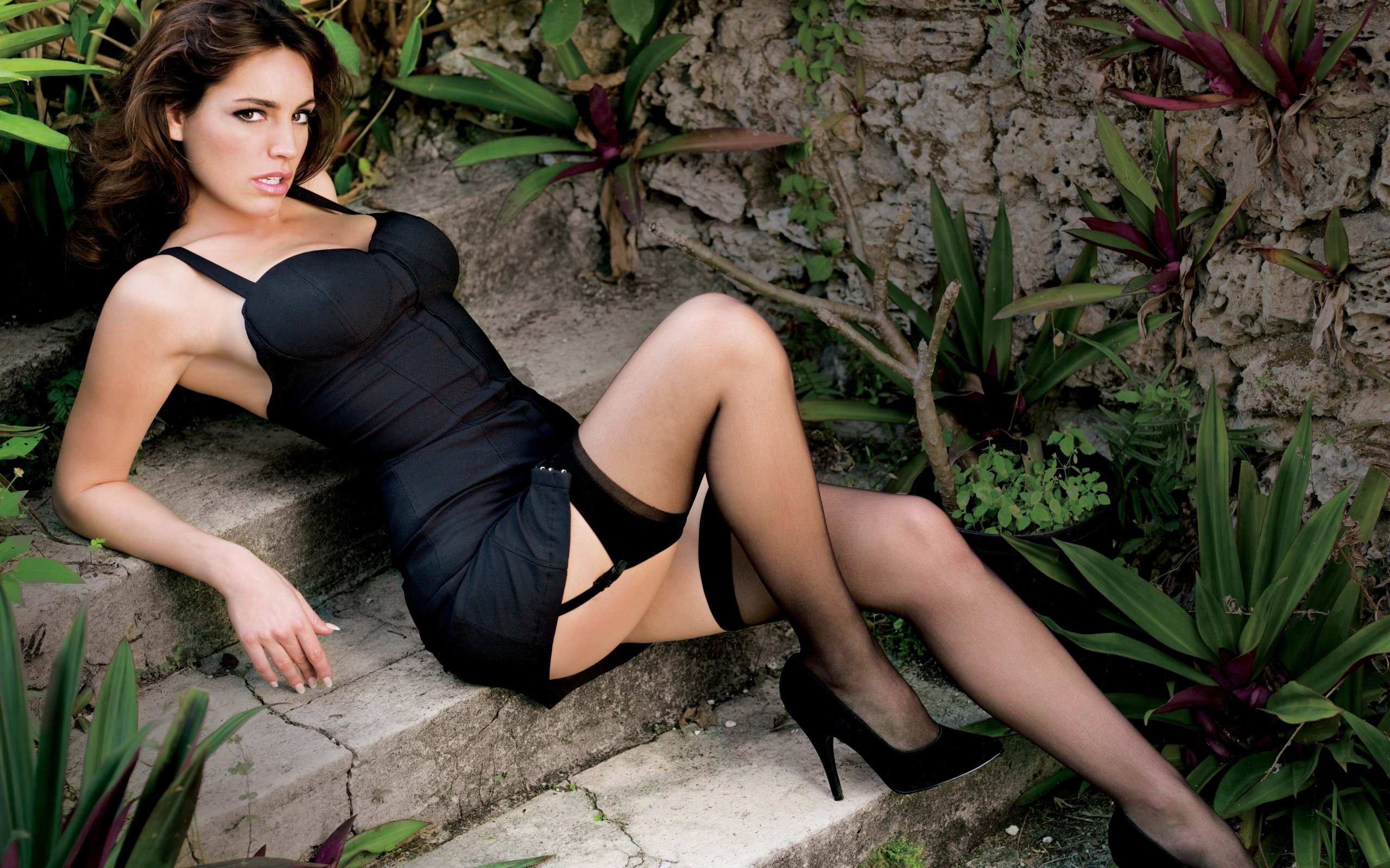 Melissa milano legs — photo 15