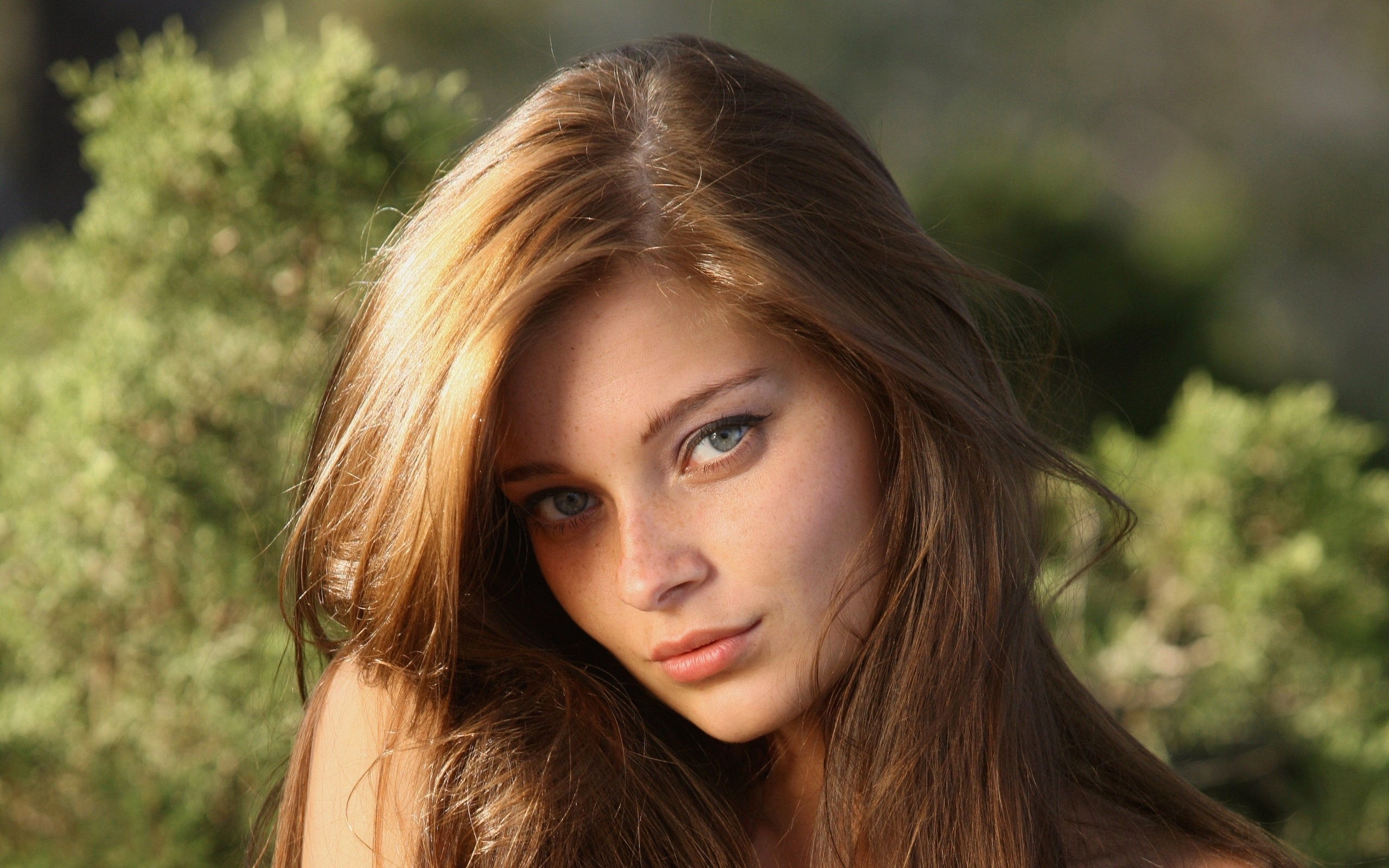 Image result for teenage girl with light brown hair and green eyes
