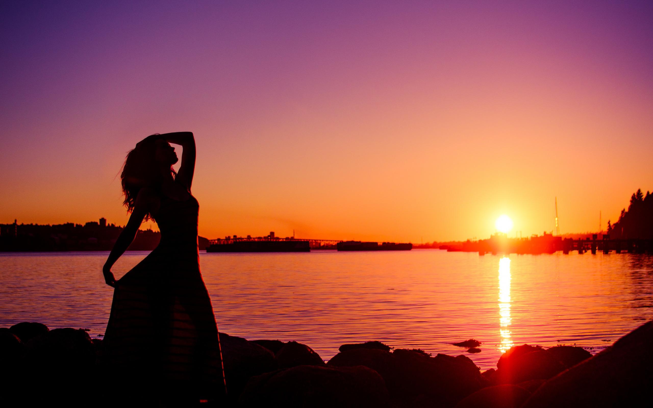 Картинки закат и рассвет с девушкой