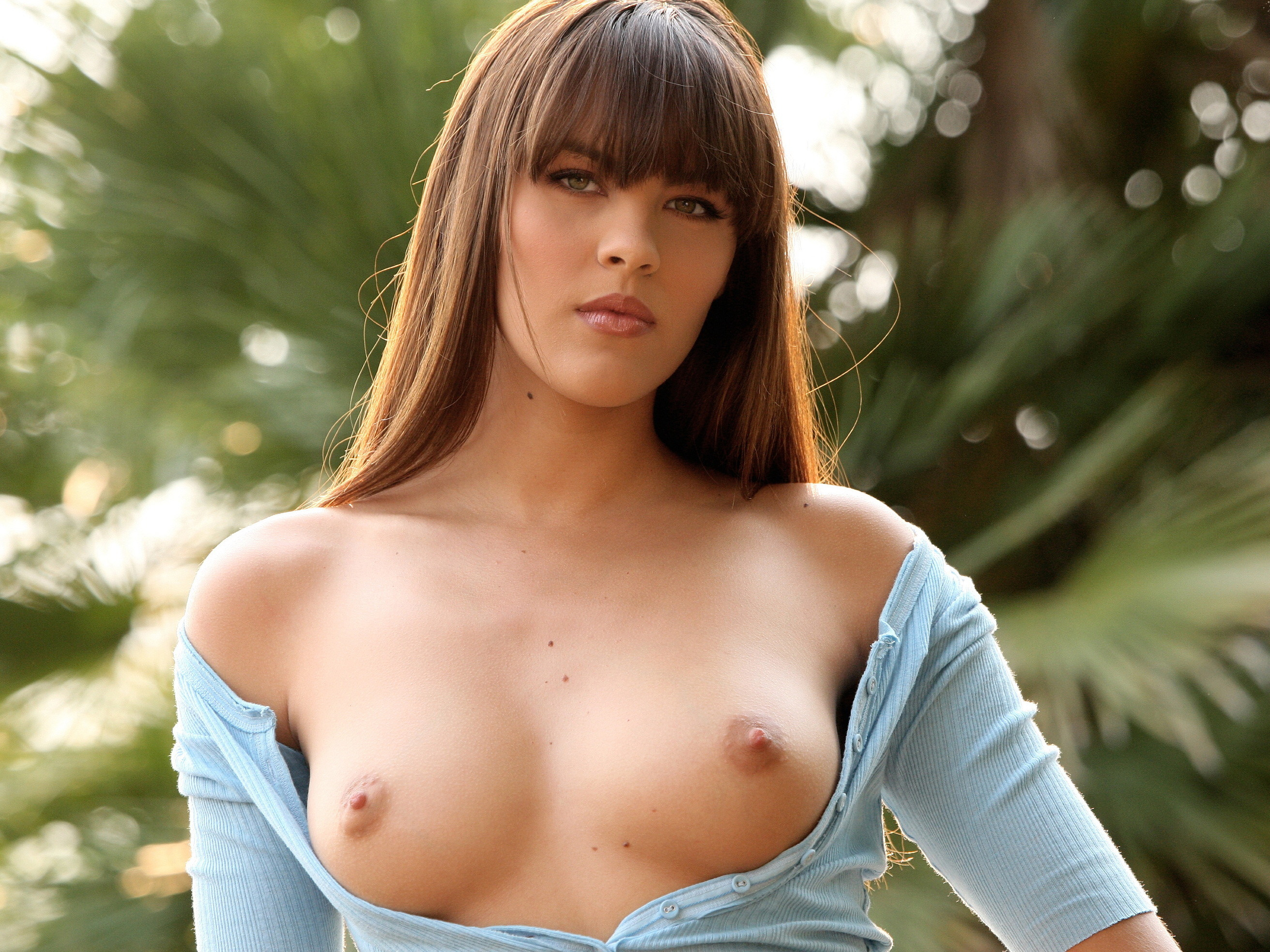 Крутые сиськи в лифчику и в блузке и а джинсах порно фото фото 301-386