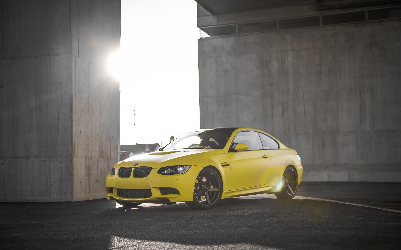 BMW M3 Желтое  № 844768  скачать