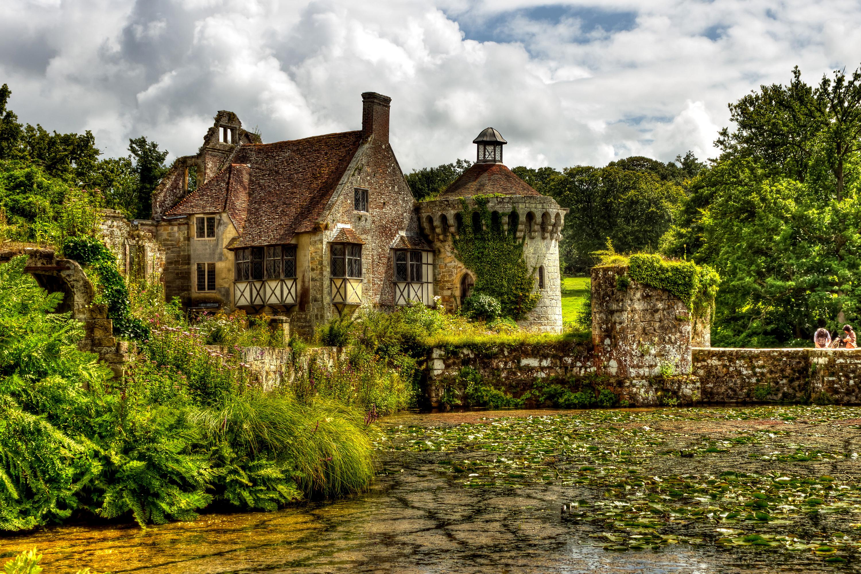 Озерцо возле дома, Англия  № 1486883  скачать