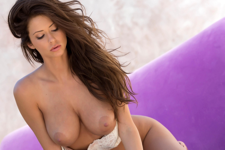 сексуальные девушки с большой грудью на работе
