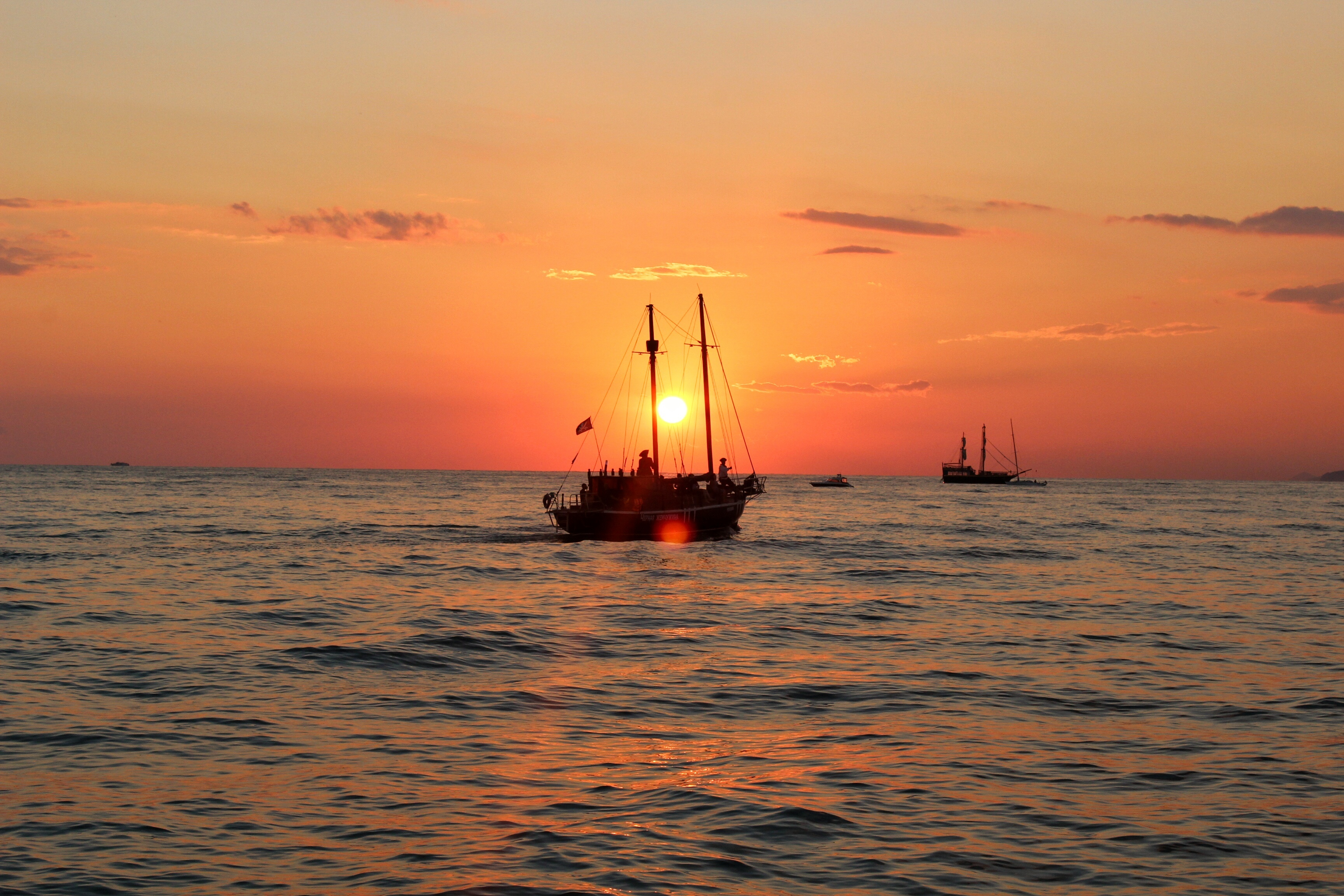 корабли на закате  № 3504117 загрузить