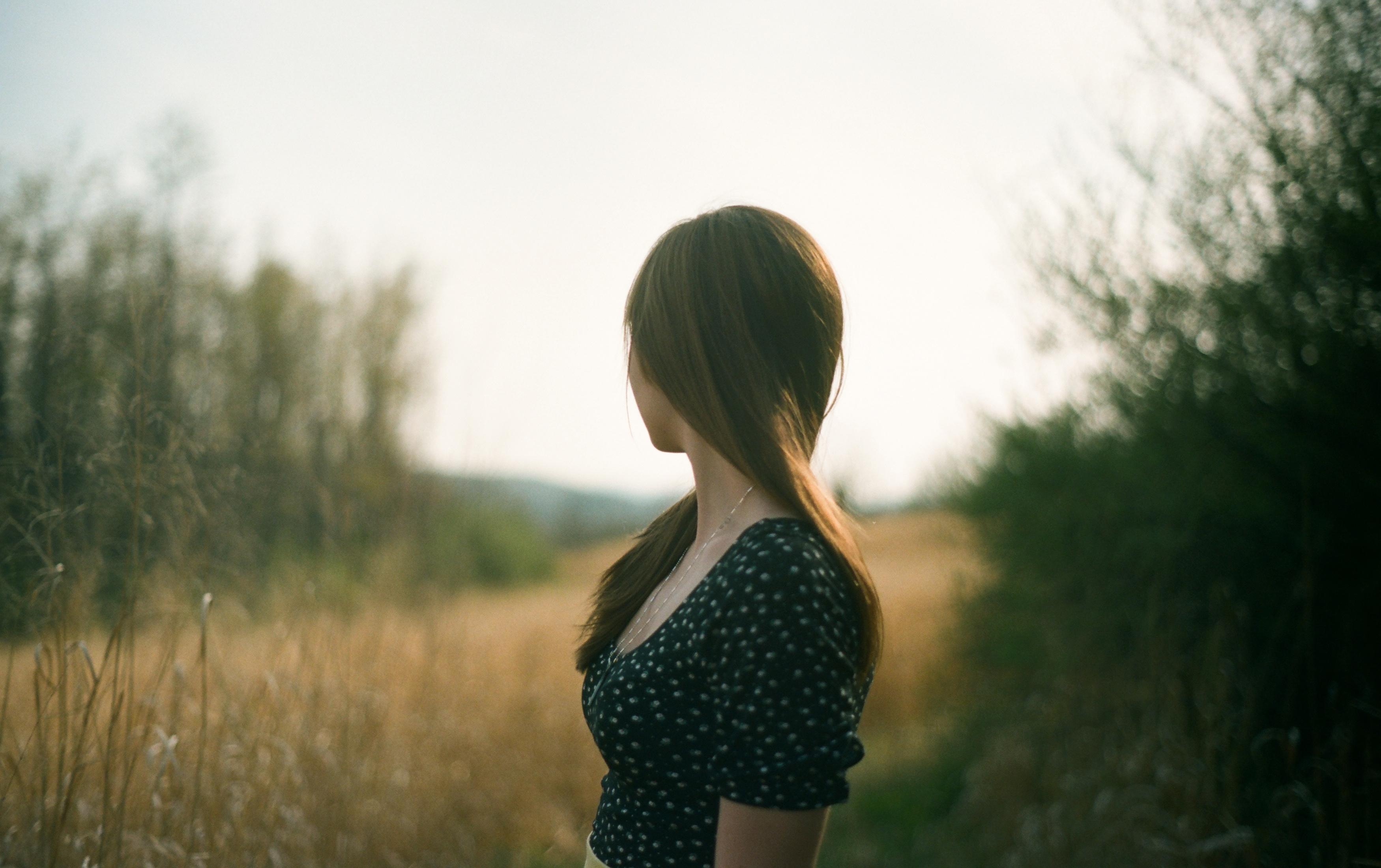 Красивые картинки девушек брюнеток без лица