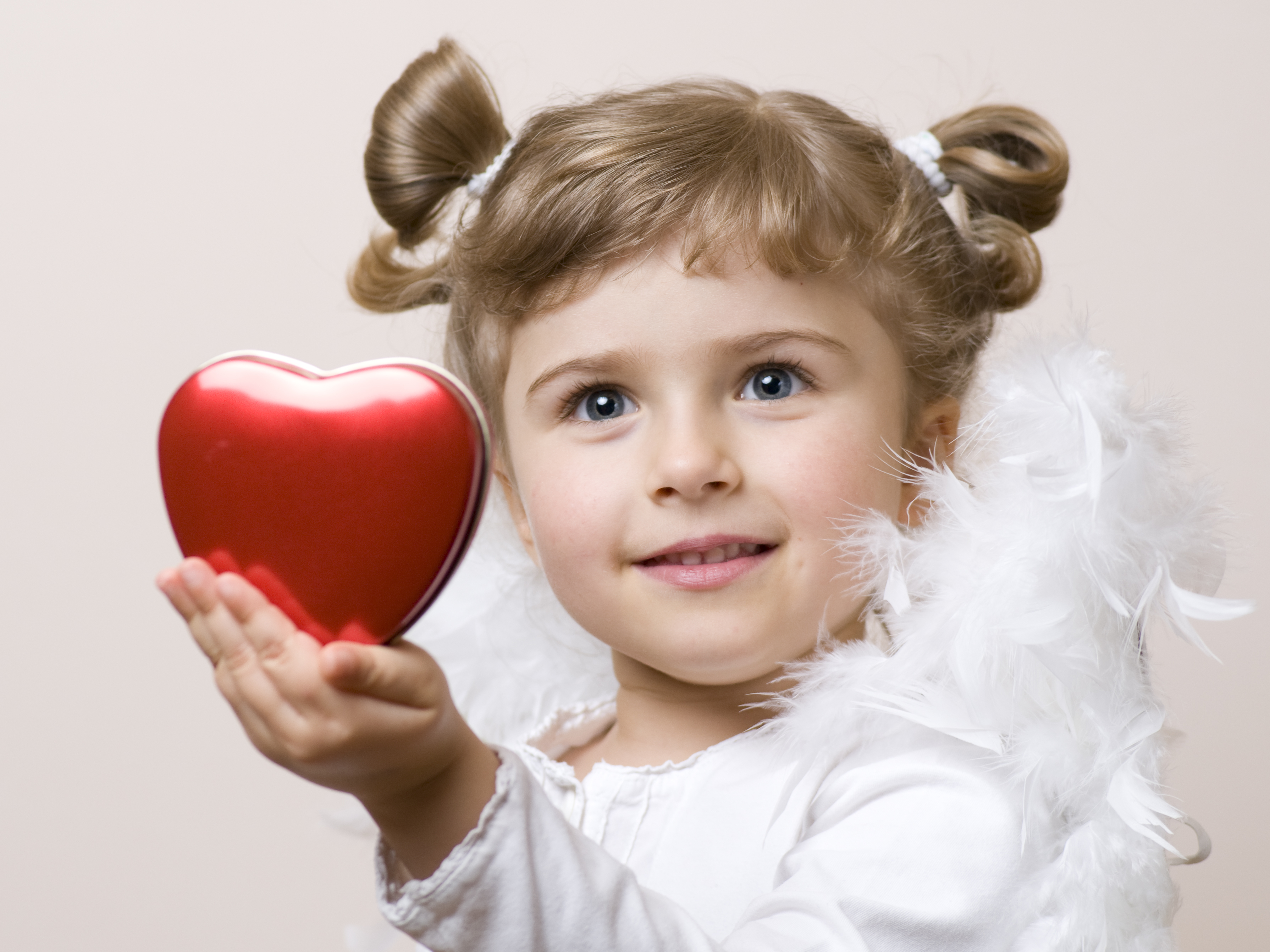 Девочка с сердцем картинки