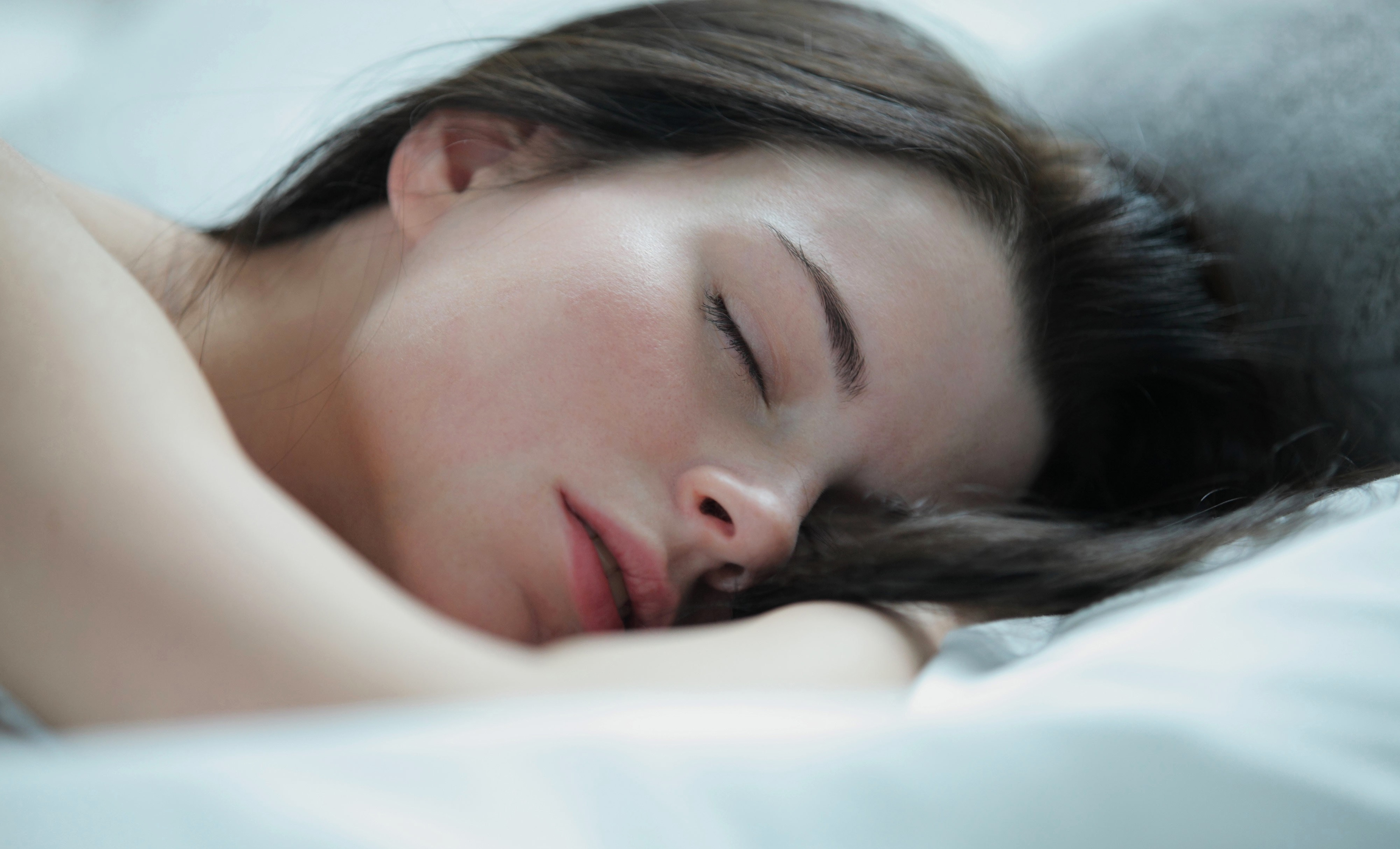 Спящие женщины фото #12
