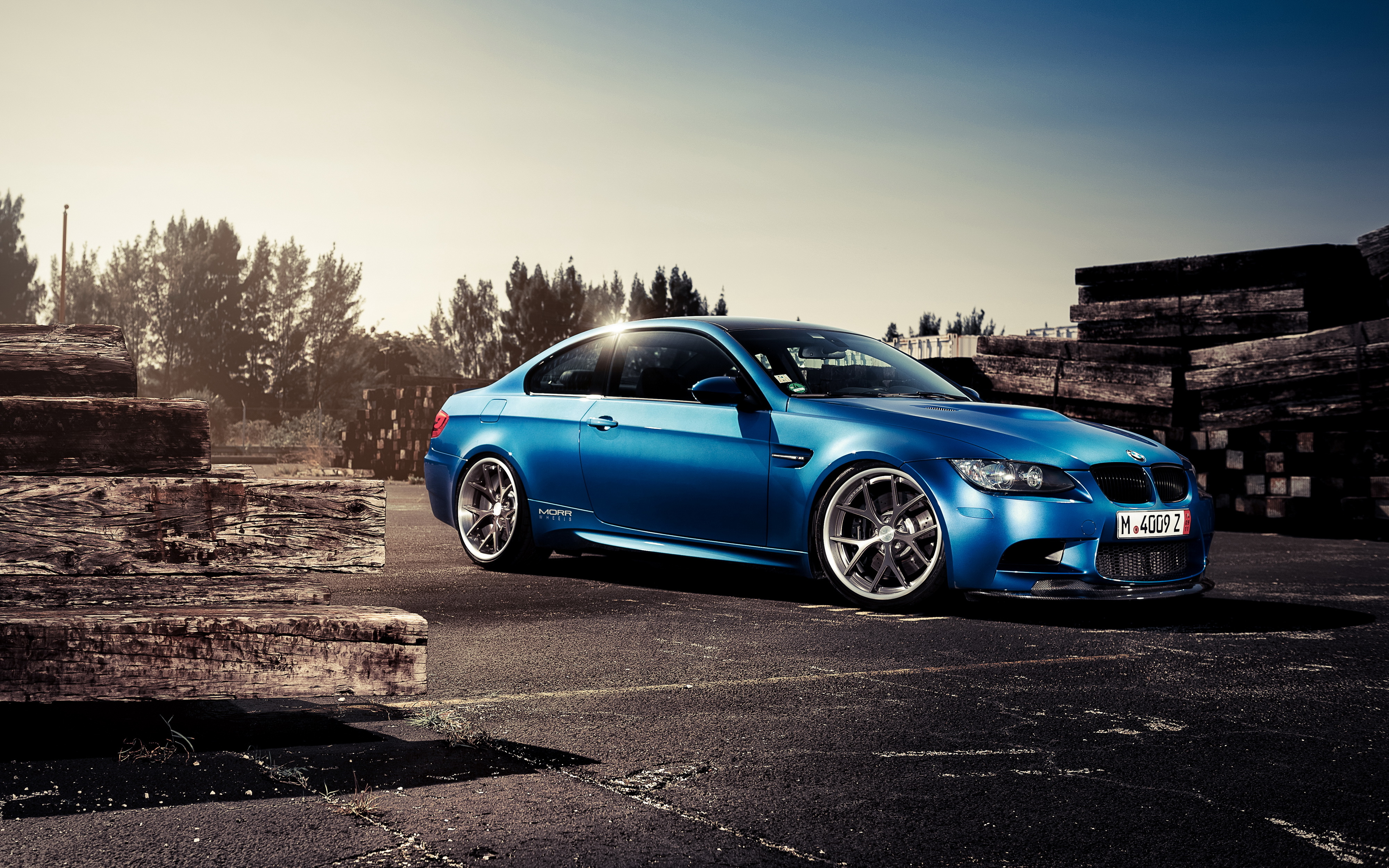 синий автомобиль BMW blue car  № 215638 загрузить